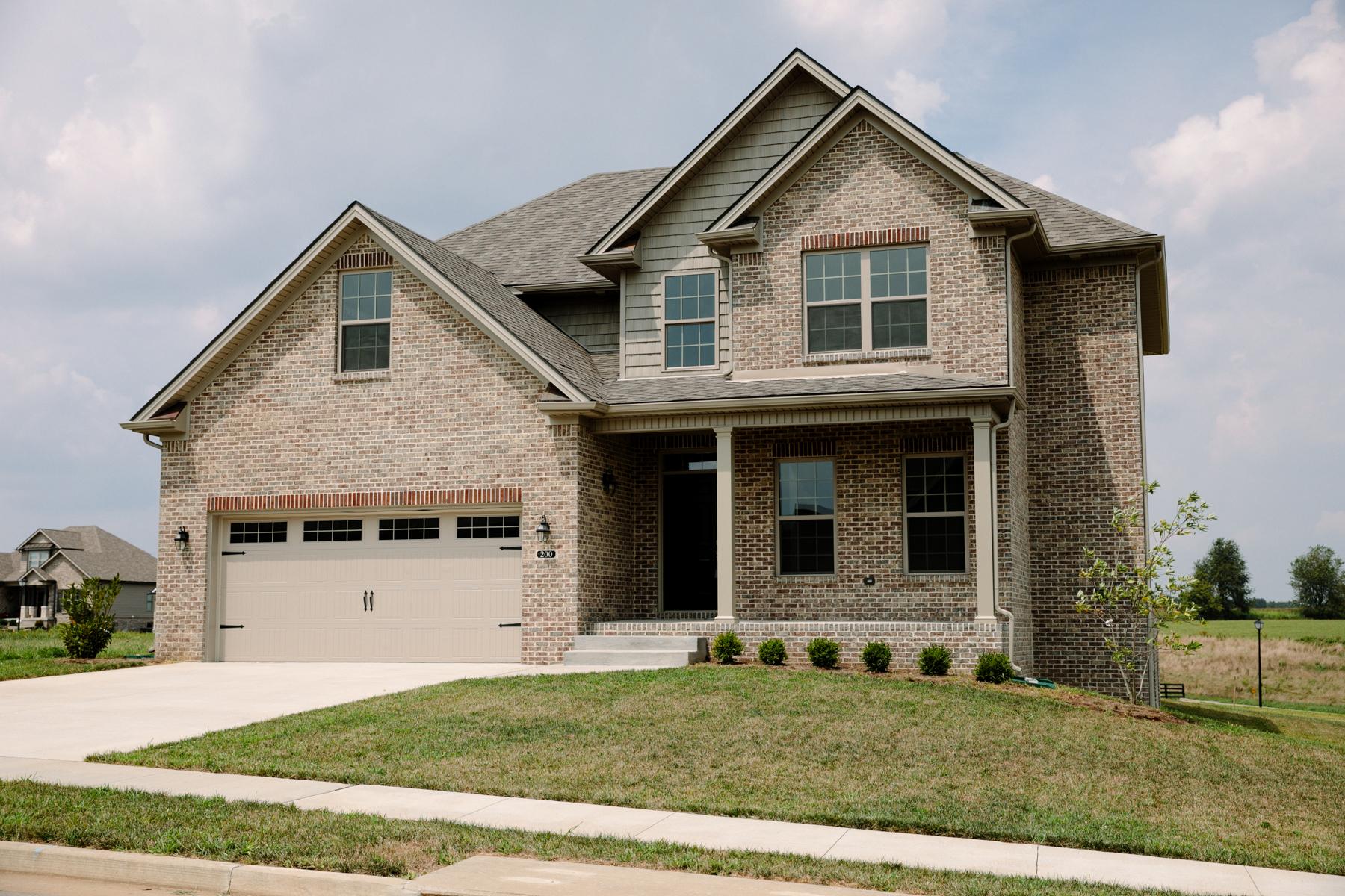 Single Family Homes pour l Vente à 200 Burley Ridge Nicholasville, Kentucky 40356 États-Unis