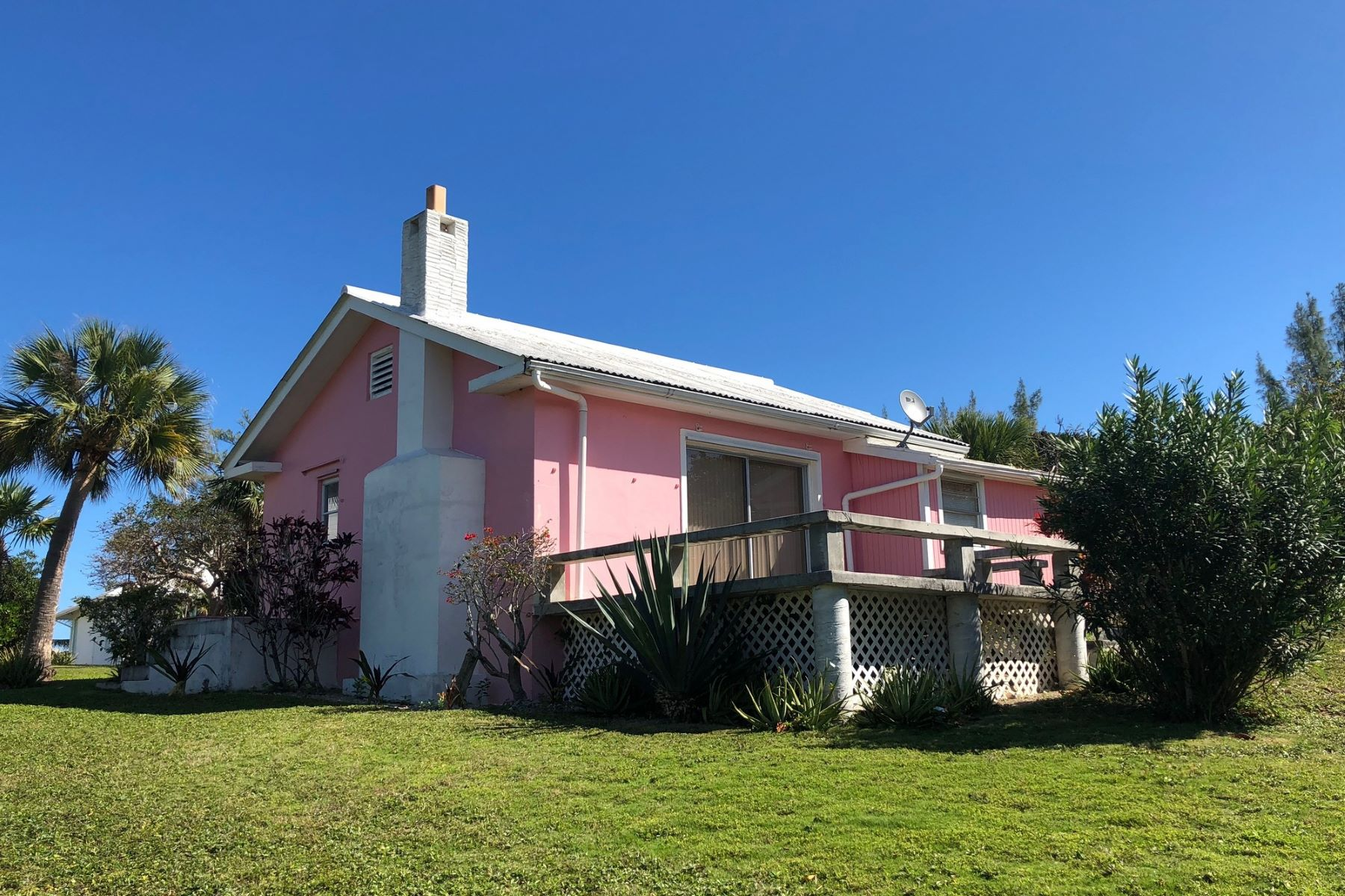 Single Family Home for Sale at Pink Cottage Green Turtle Cay, Abaco, Bahamas