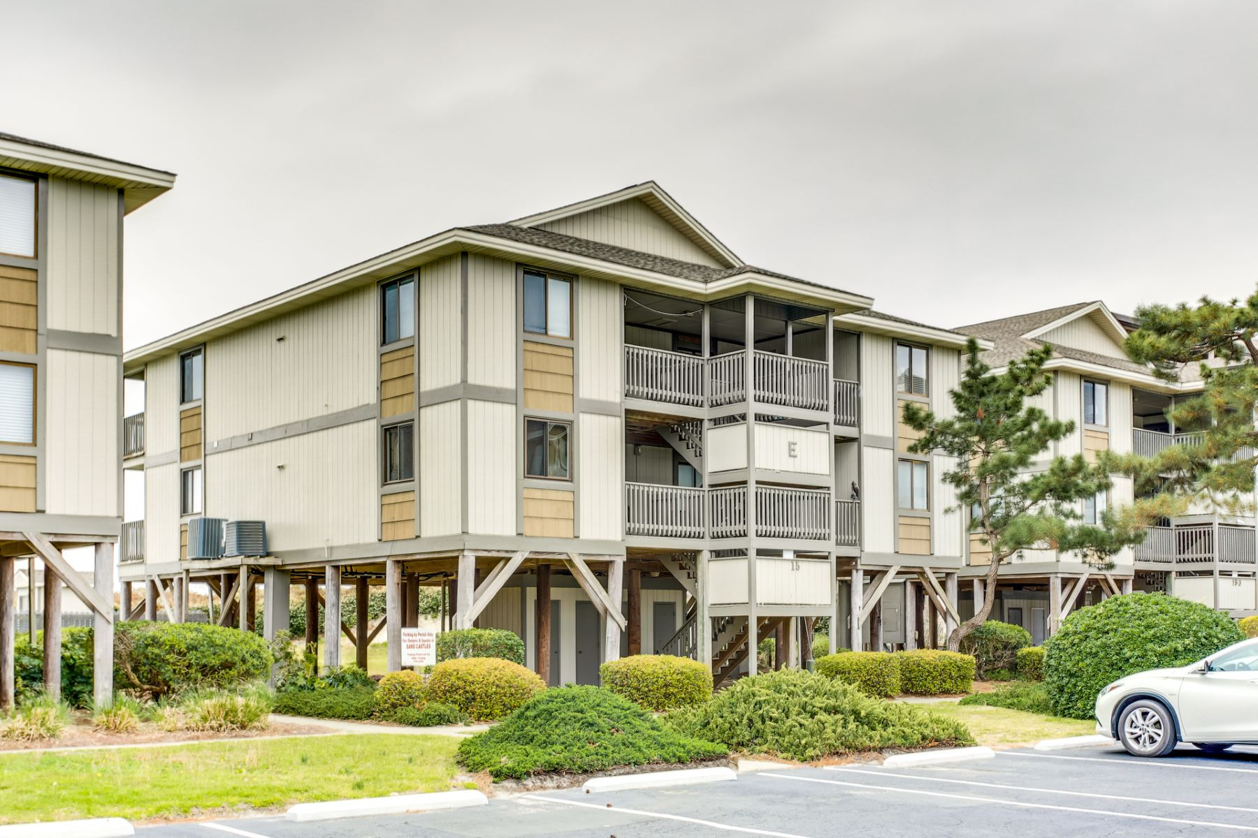 Condominium for Active at Fully Renovated Condo with Ocean Front Views 15 Ocean Isle West Blvd 4 Ocean Isle Beach, North Carolina 28469 United States
