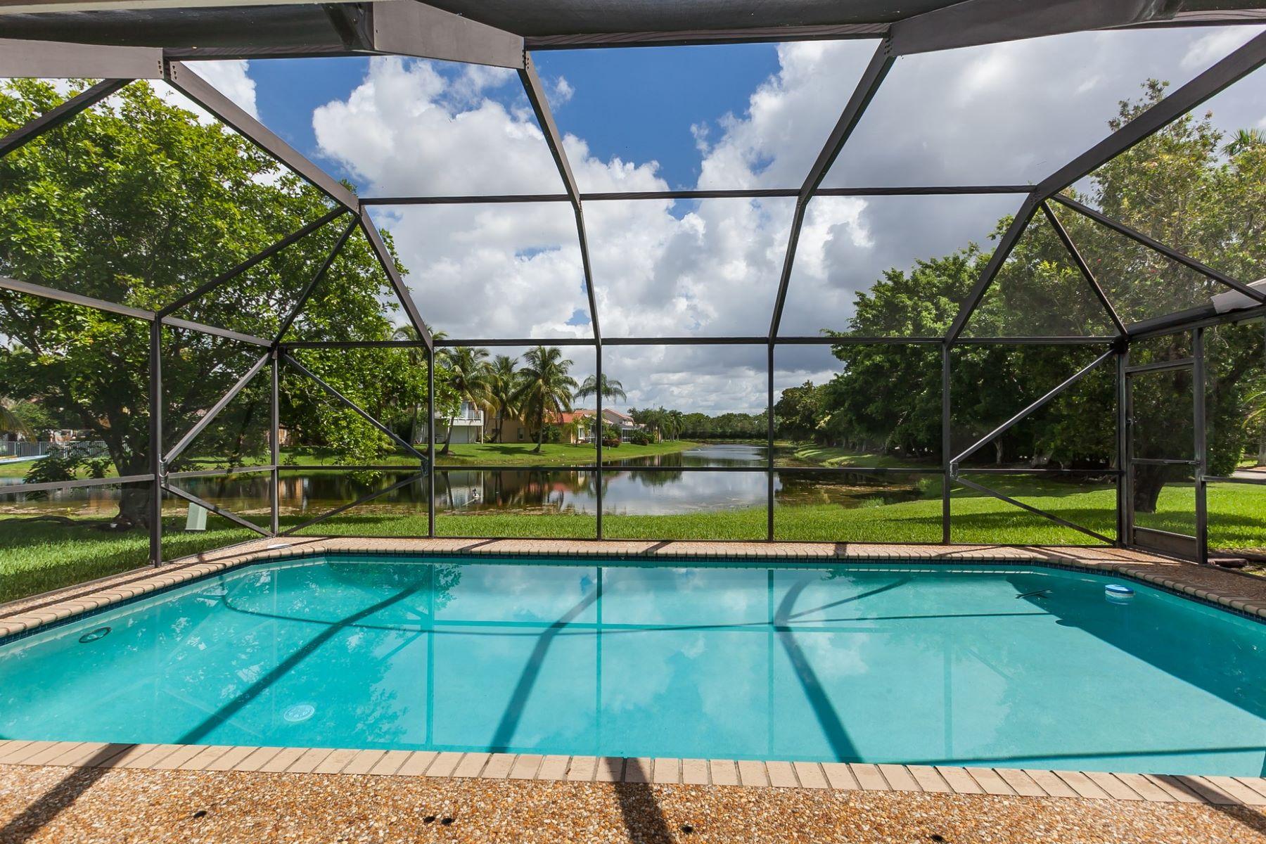 Casa para uma família para Locação às 801 Hampton CT. 801 Hampton Court Weston, Florida 33326 Estados Unidos