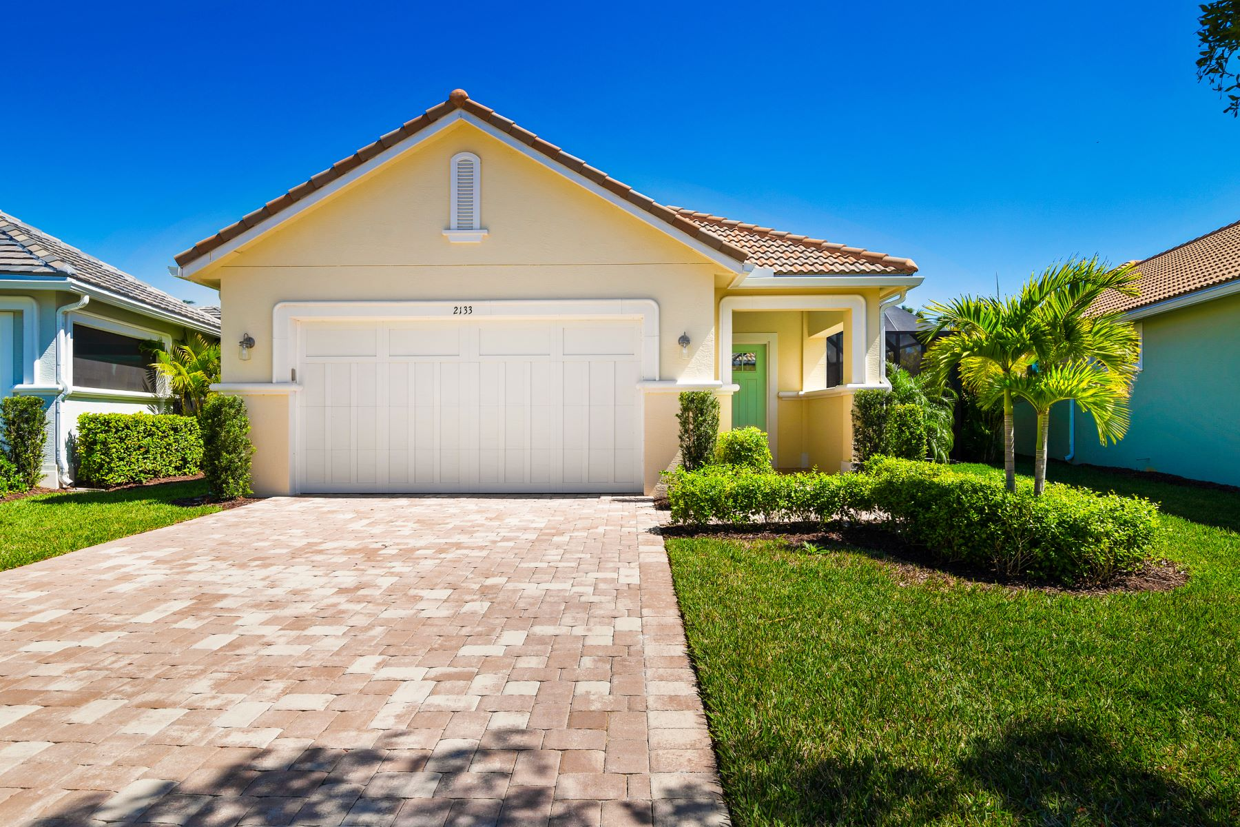 Single Family Home for Sale at Courtyard Pool Home 2133 Falls Circle Vero Beach, Florida 32967 United States