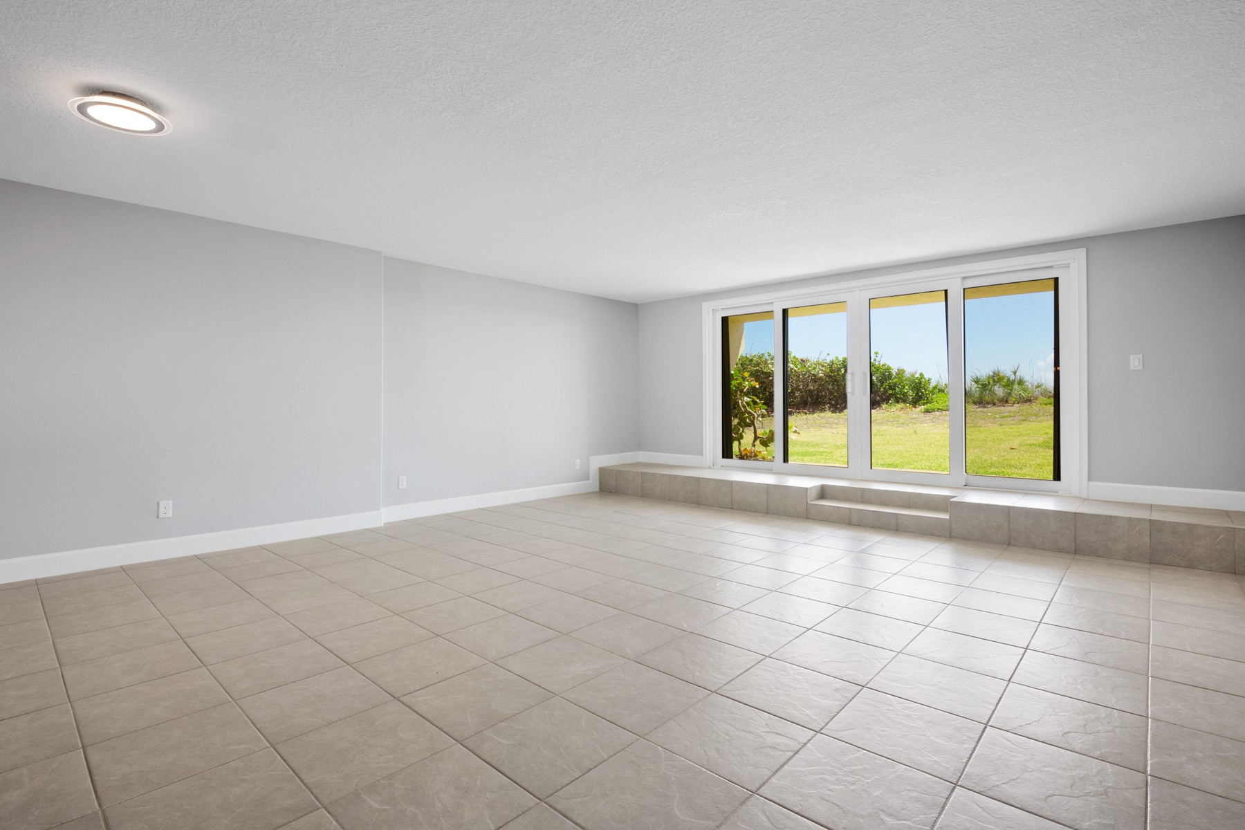 Additional photo for property listing at Pineda Ocean Club 103 Highway A1A Satellite Beach, Florida 32951 United States
