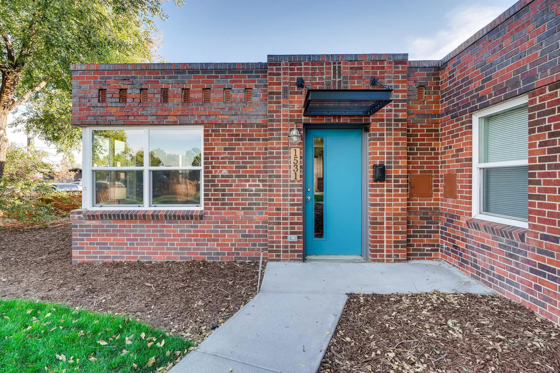 Townhouse for Active at Stunning Home In Small Enclave 1531 Wabash St Denver, Colorado 80220 United States