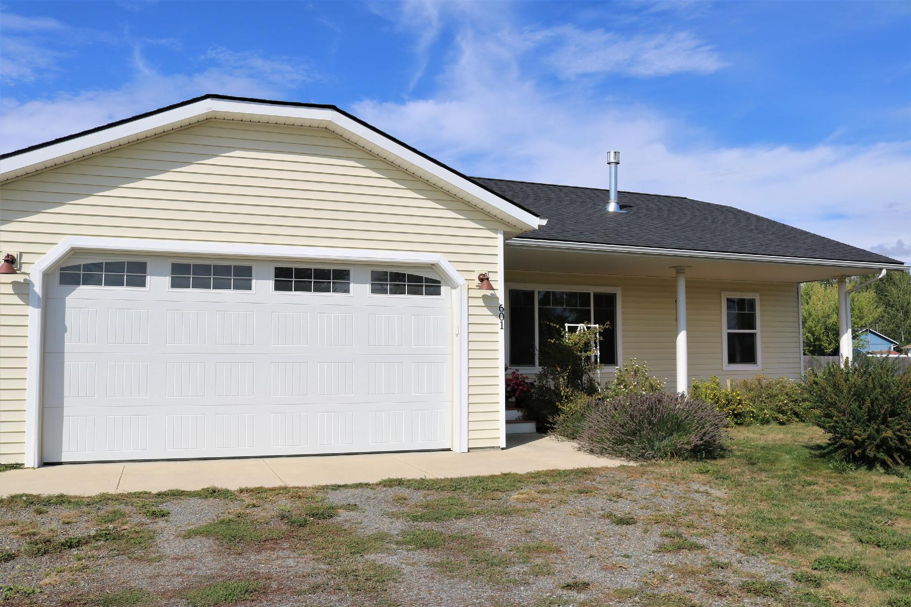 Single Family Homes for Sale at 601 McGhee Road 601 McGhee Court Kootenai, Idaho 83840 United States