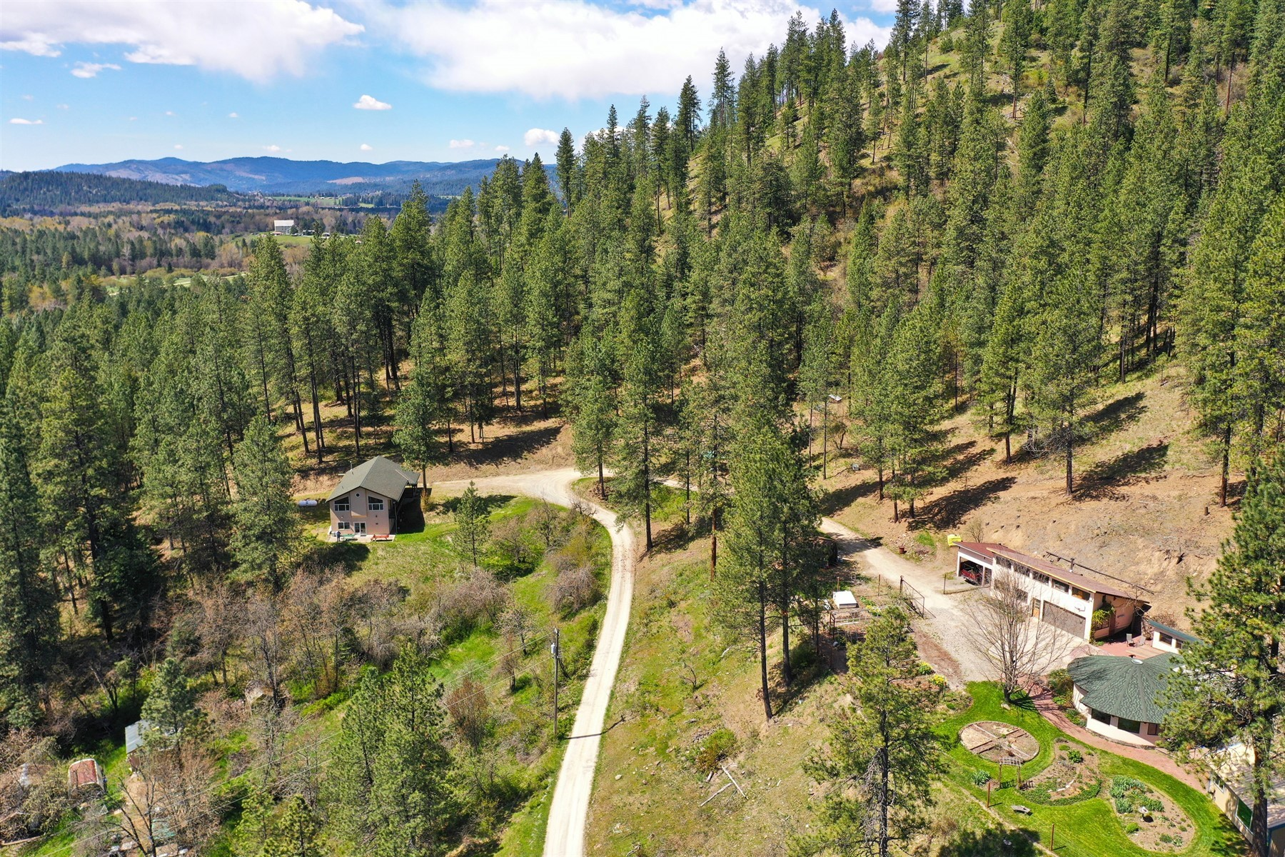 Single Family Homes for Sale at Silver Valley Retreat 35695 East Canyon Road Cataldo, Idaho 83810 United States