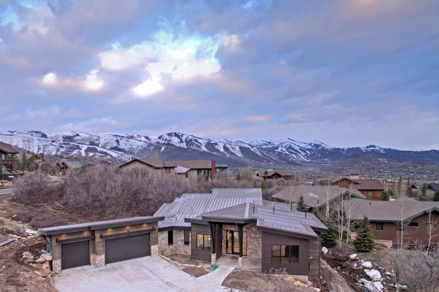 Moradia para Venda às New Contemporary Construction in Royal Oaks at Deer Valley 3775 Sun Ridge Dr Park City, Utah, 84060 Estados Unidos