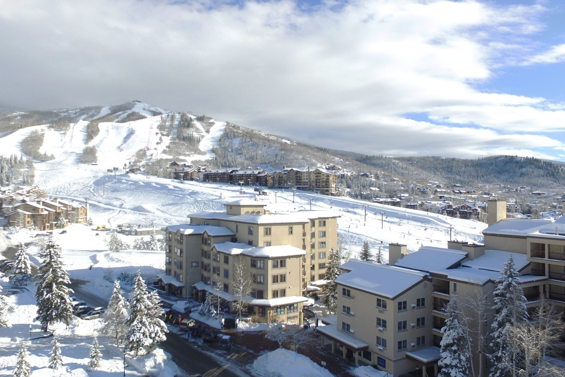 Appartement en copropriété pour l Vente à Nicest Unit in Torian Plum Steamboat Springs, CO 1855 Ski Time Square Dr 203 Steamboat Springs, Colorado 80487 États-Unis