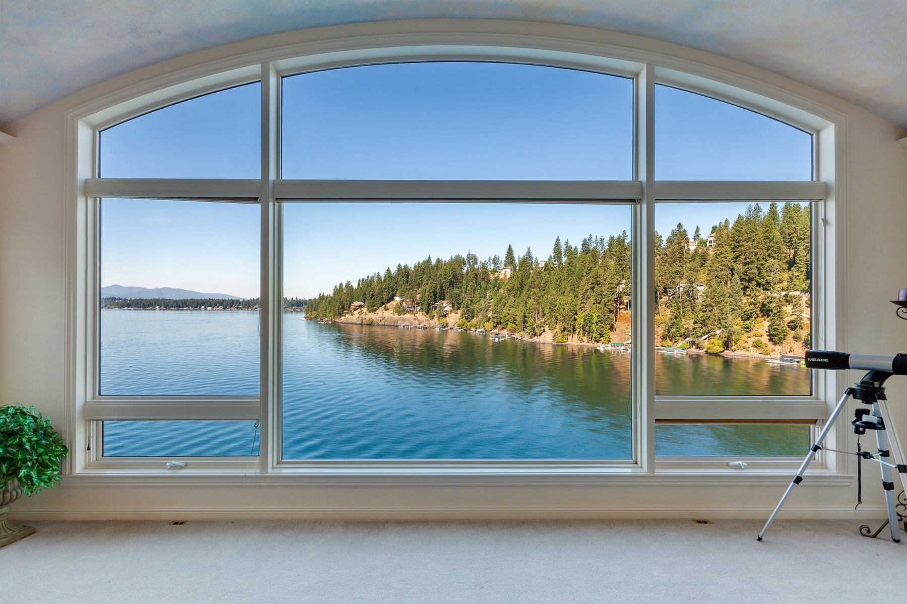 Single Family Homes for Sale at Hayden Lake Waterfront Beauty- close in 5884 E English Point Rd Hayden, Idaho 83835 United States
