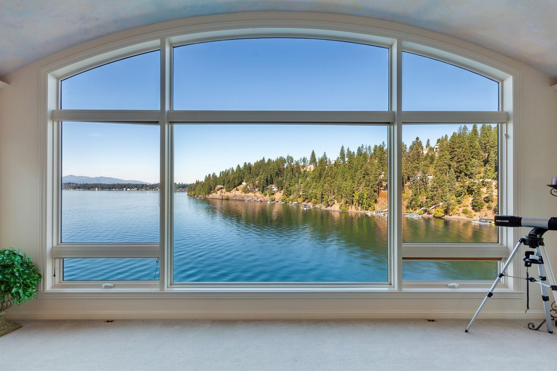 Single Family Homes por un Venta en Hayden Lake Waterfront Beauty- close in 5884 E English Point Rd Hayden, Idaho 83835 Estados Unidos