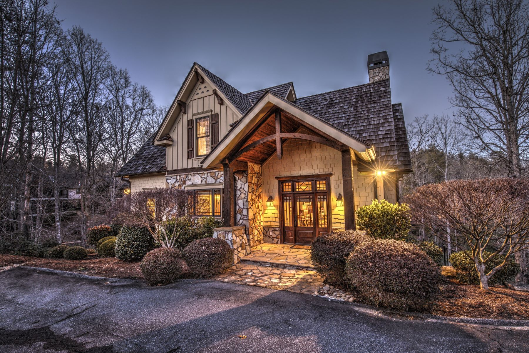 Частный односемейный дом для того Продажа на Welcoming & Warm Waterfront Cottage 871 Club House Drive, The Cliffs At Keowee Vineyards, Sunset, Южная Каролина, 29685 Соединенные Штаты