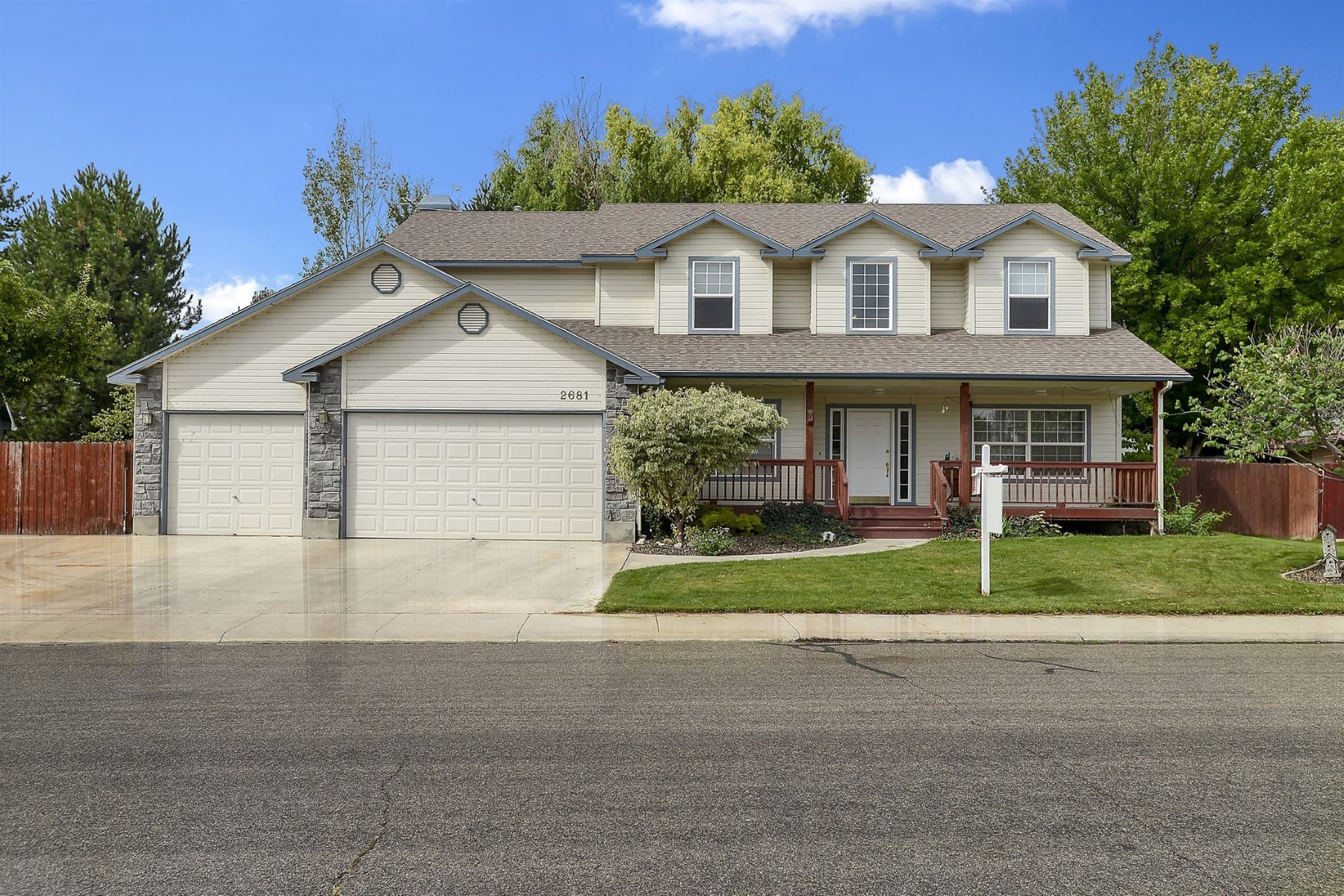 Single Family Homes pour l Vente à 2681 Weber Rapids, Meridian 2681 S Weber Rapids Meridian, Idaho 83642 États-Unis