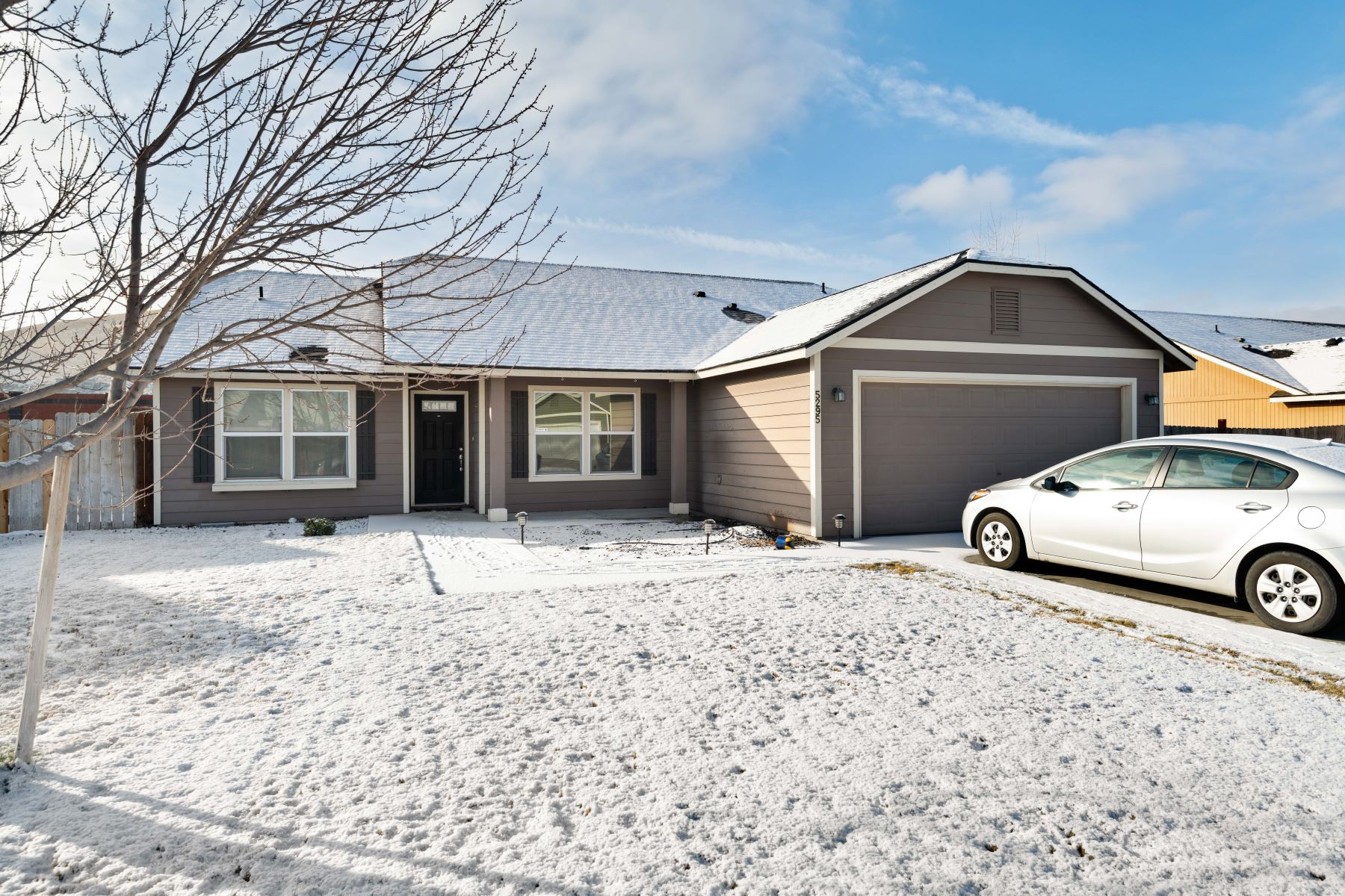 Single Family Homes for Sale at 3 Bed Plus Office 5295 Pinehurst Street West Richland, Washington 99353 United States