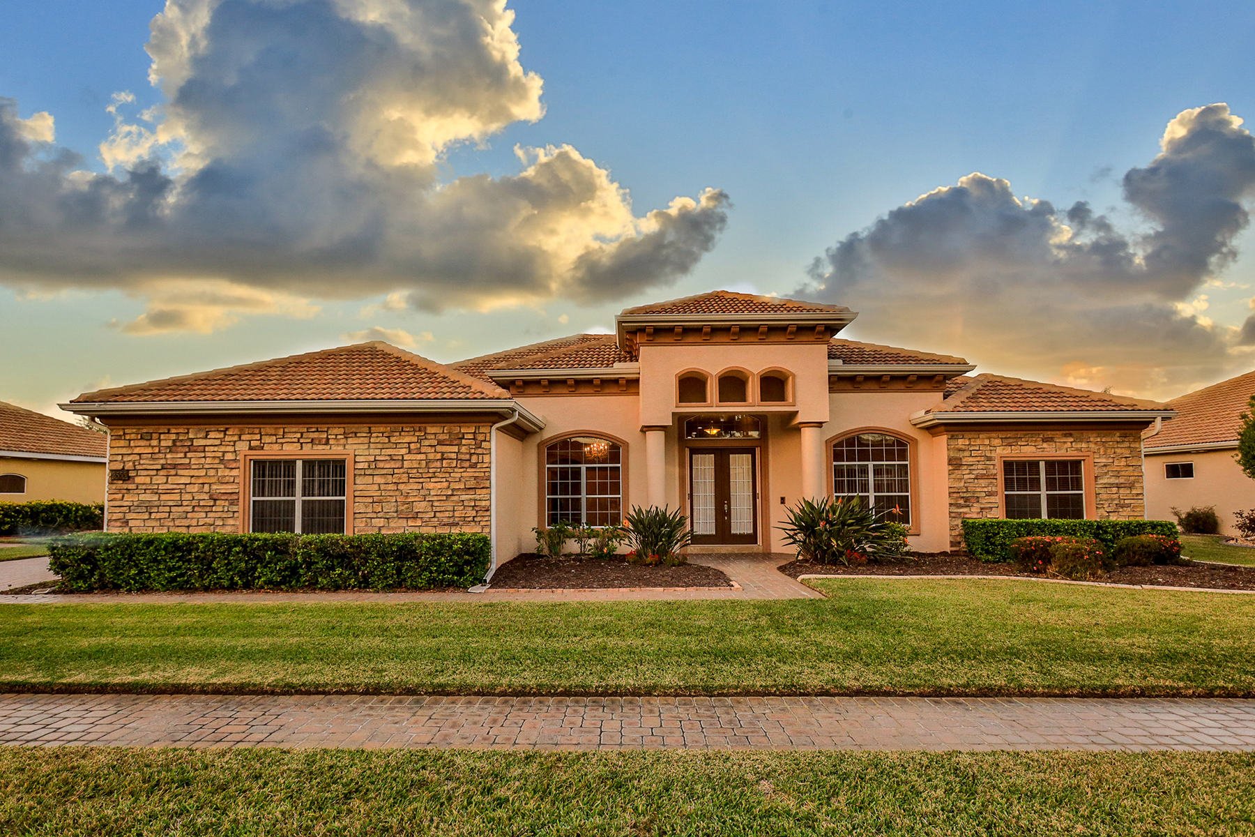 Single Family Homes 为 销售 在 New Smyrna Beach 3555 Grande Tuscany Way 士麦那, 佛罗里达州 32168 美国