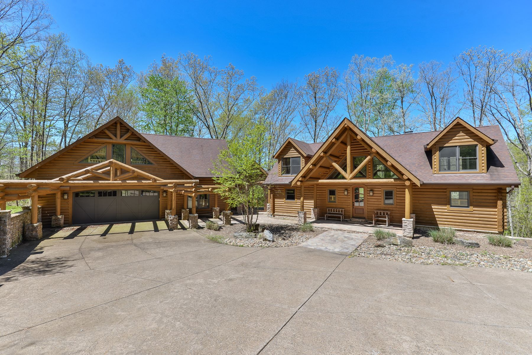 Single Family Homes for Sale at 288 Danes Hill Road Clarkson, Kentucky 42726 United States