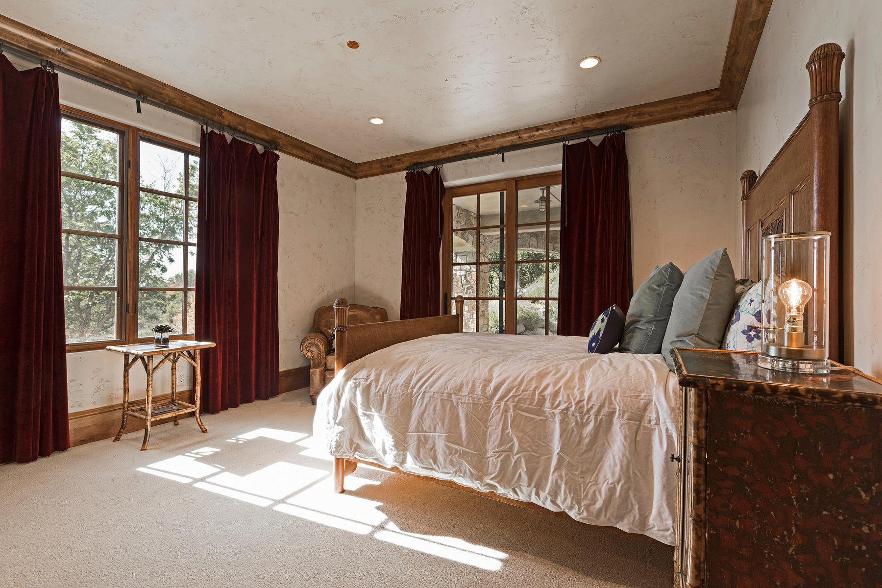 Additional photo for property listing at Elegant Glenwild Estate with Guest House 1035 Primrose Pl Park City, Utah 84098 United States