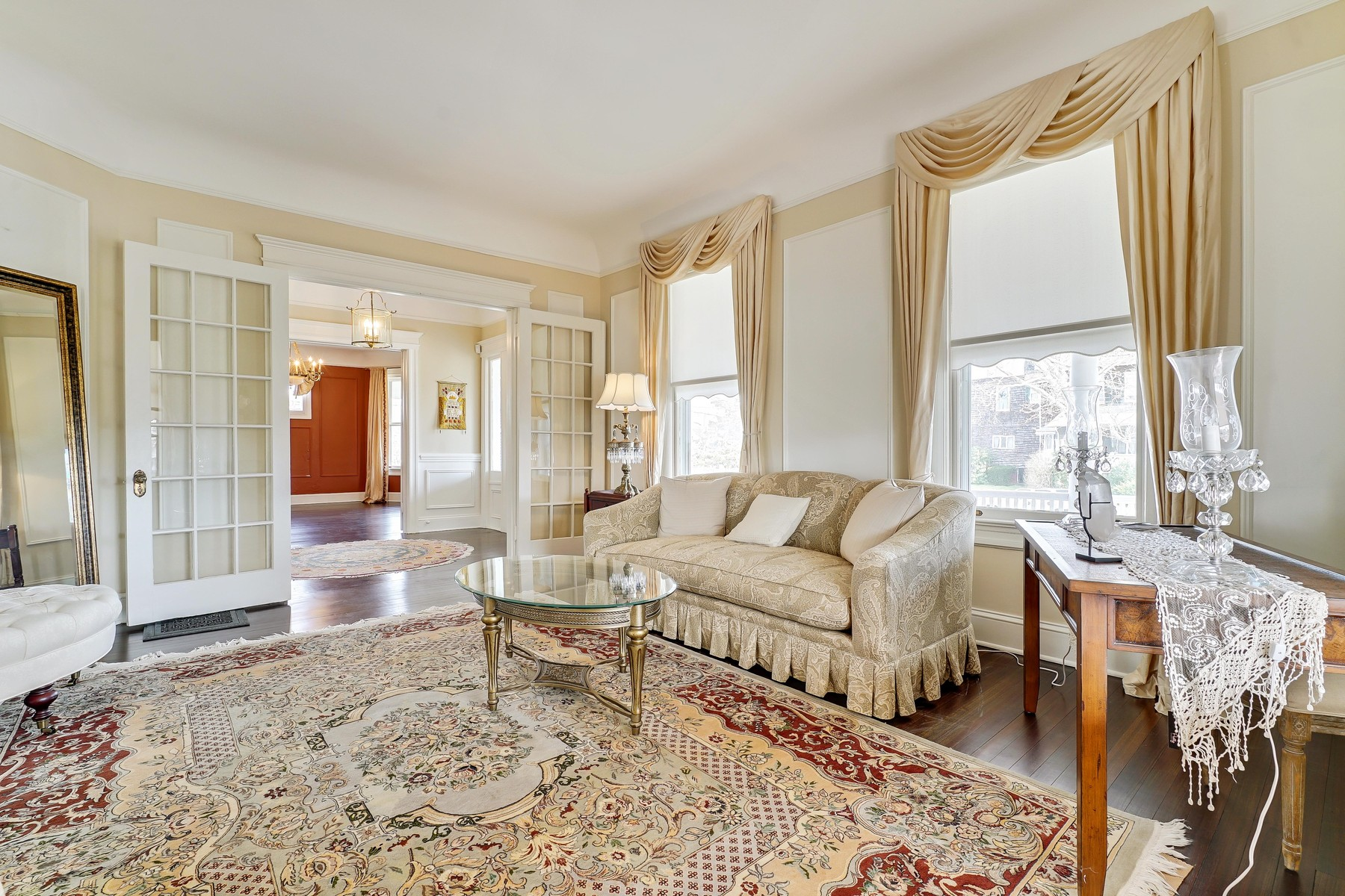 Additional photo for property listing at Luxurious Avon Colonial 302 Garfield Avenue Avon By The Sea, New Jersey 07717 United States