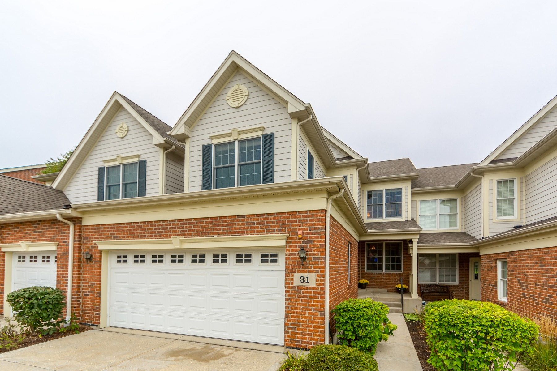 Townhouse for Sale at Maintenance Free Townhome 31 Red Tail Drive Hawthorn Woods, Illinois 60047 United States