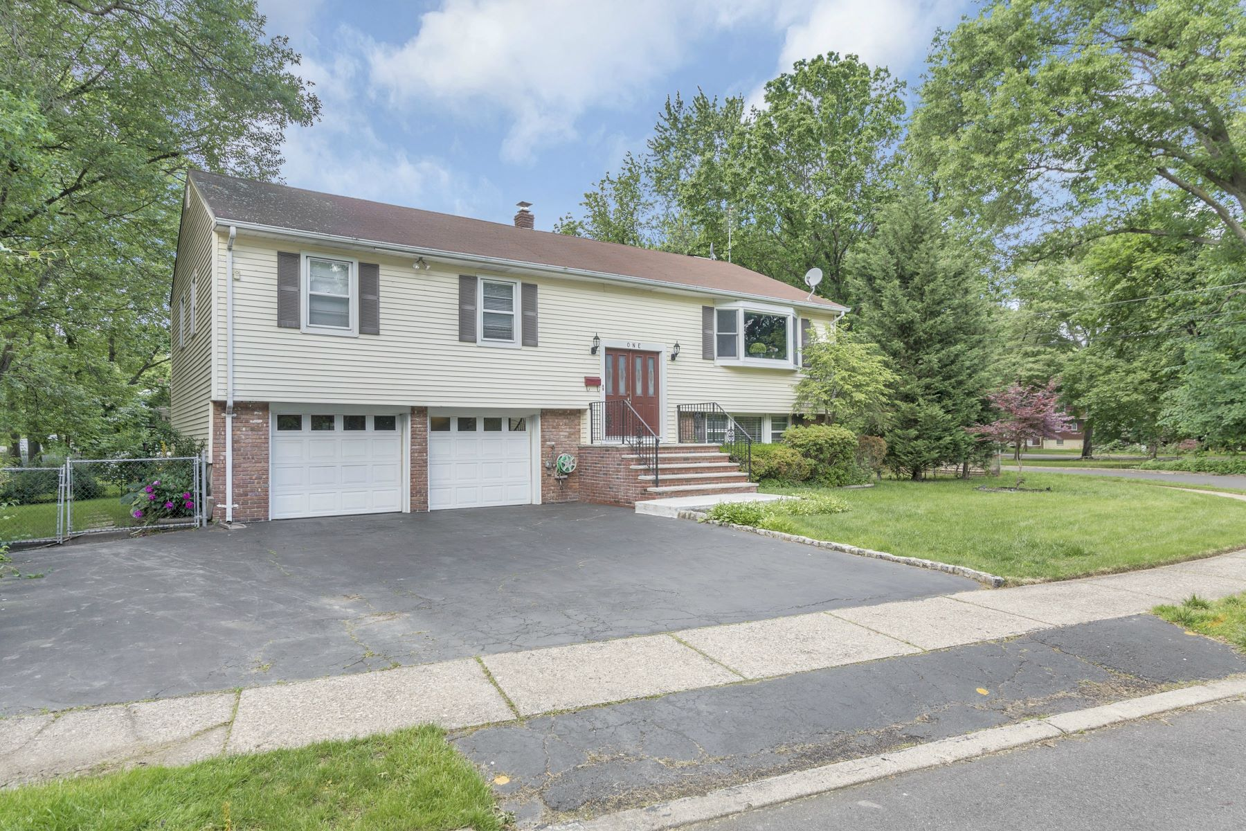 Single Family Home for Rent at Renovated And Beautifully Maintained Bi-Level Home. 1 Nugent Place Westwood, New Jersey 07675 United States