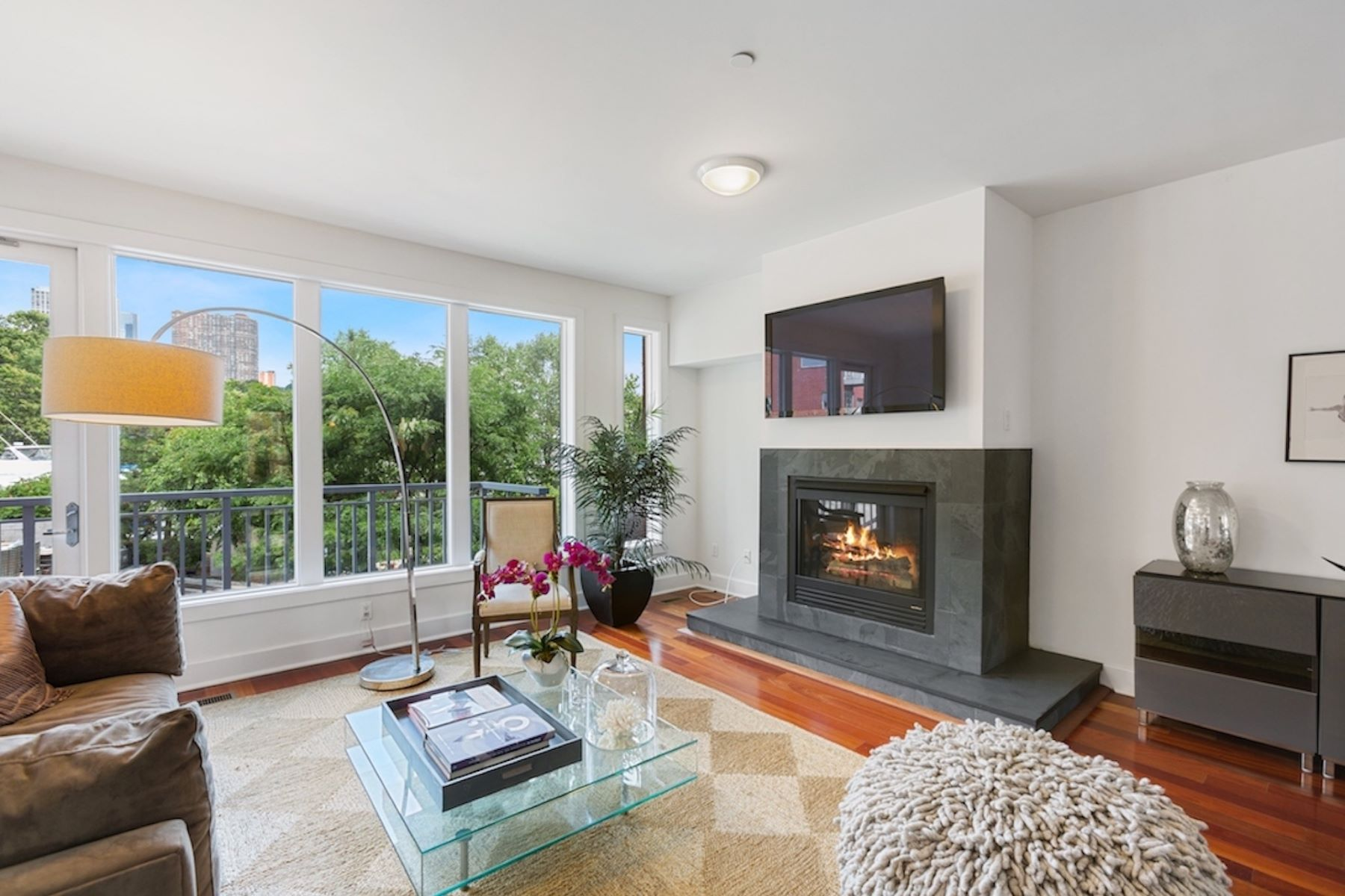 townhouses for Active at 16 Vela Way Edgewater, New Jersey 07020 United States
