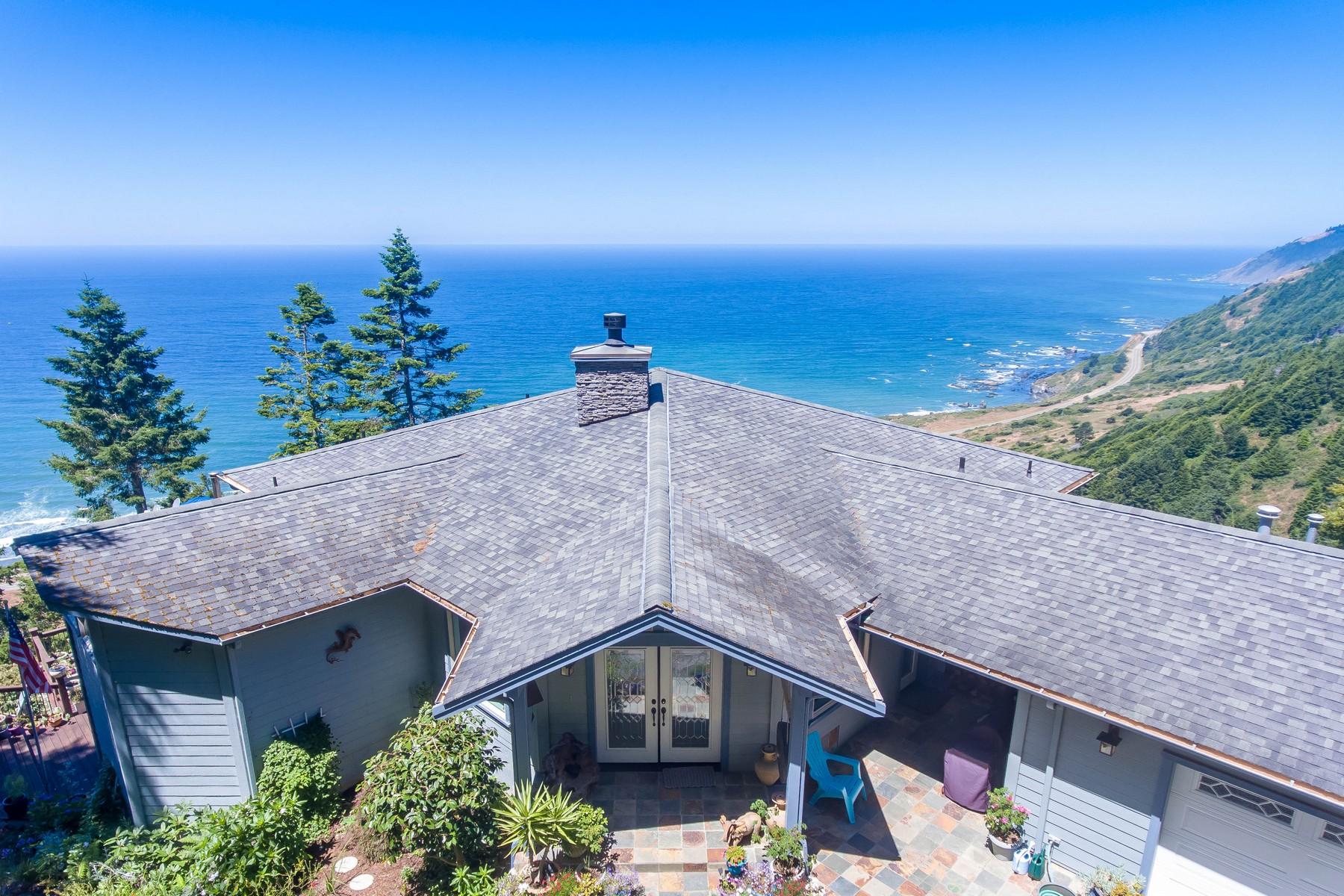 Maison unifamiliale pour l Vente à 40951 Seascape Drive Westport, Californie 95488 États-Unis