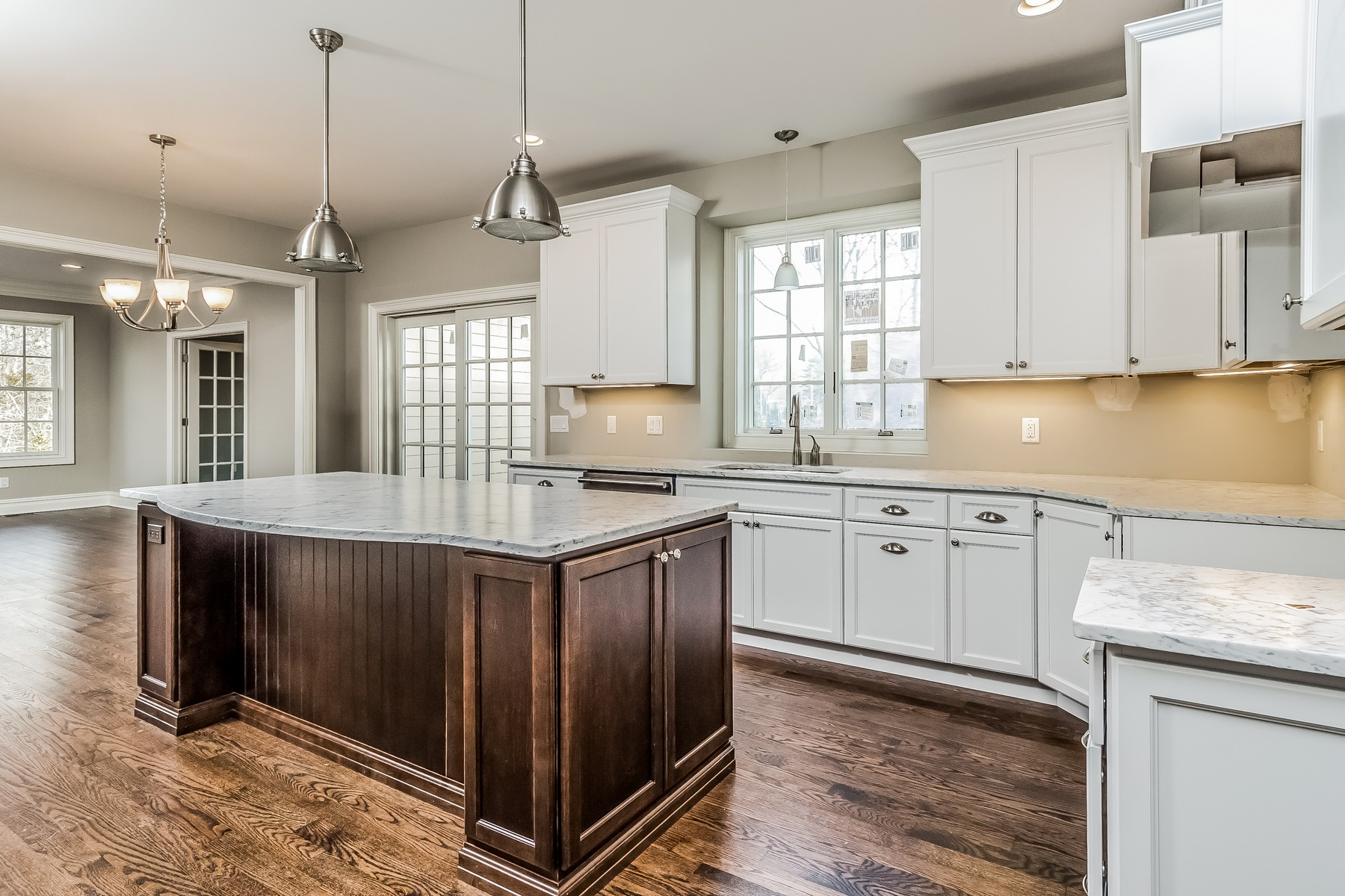 Additional photo for property listing at Custom Designed Colonial 88 Queen Anne Drive Basking Ridge, New Jersey 07920 United States