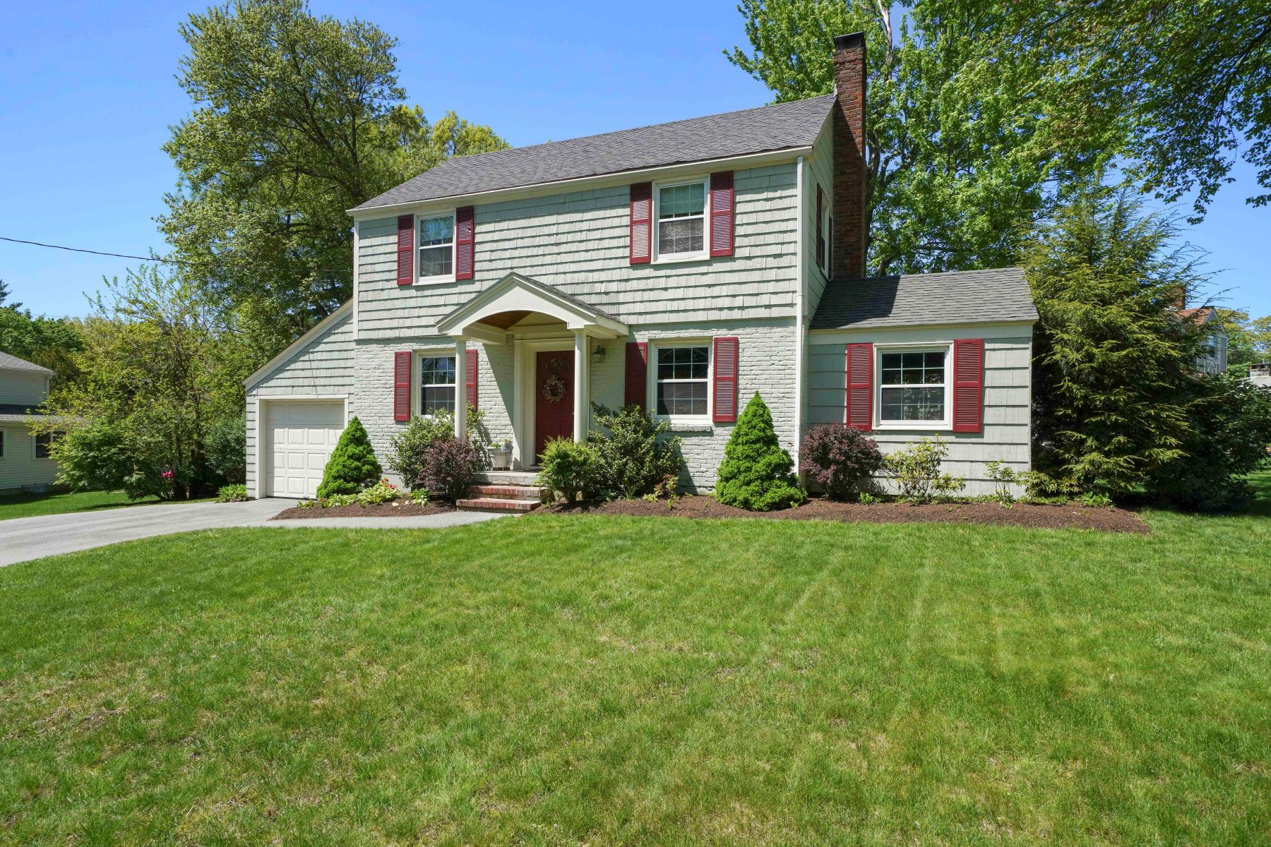 Single Family Homes for Sale at 26 Hampton Road 26 Hampton Rd, Natick, Massachusetts 01760 United States