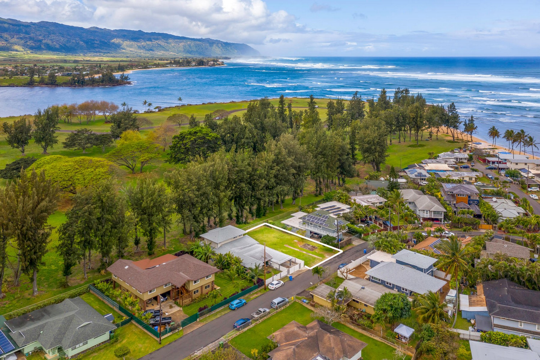 Land for Active at Rarely Offered 66-025 Alapii Street Haleiwa, Hawaii 96712 United States