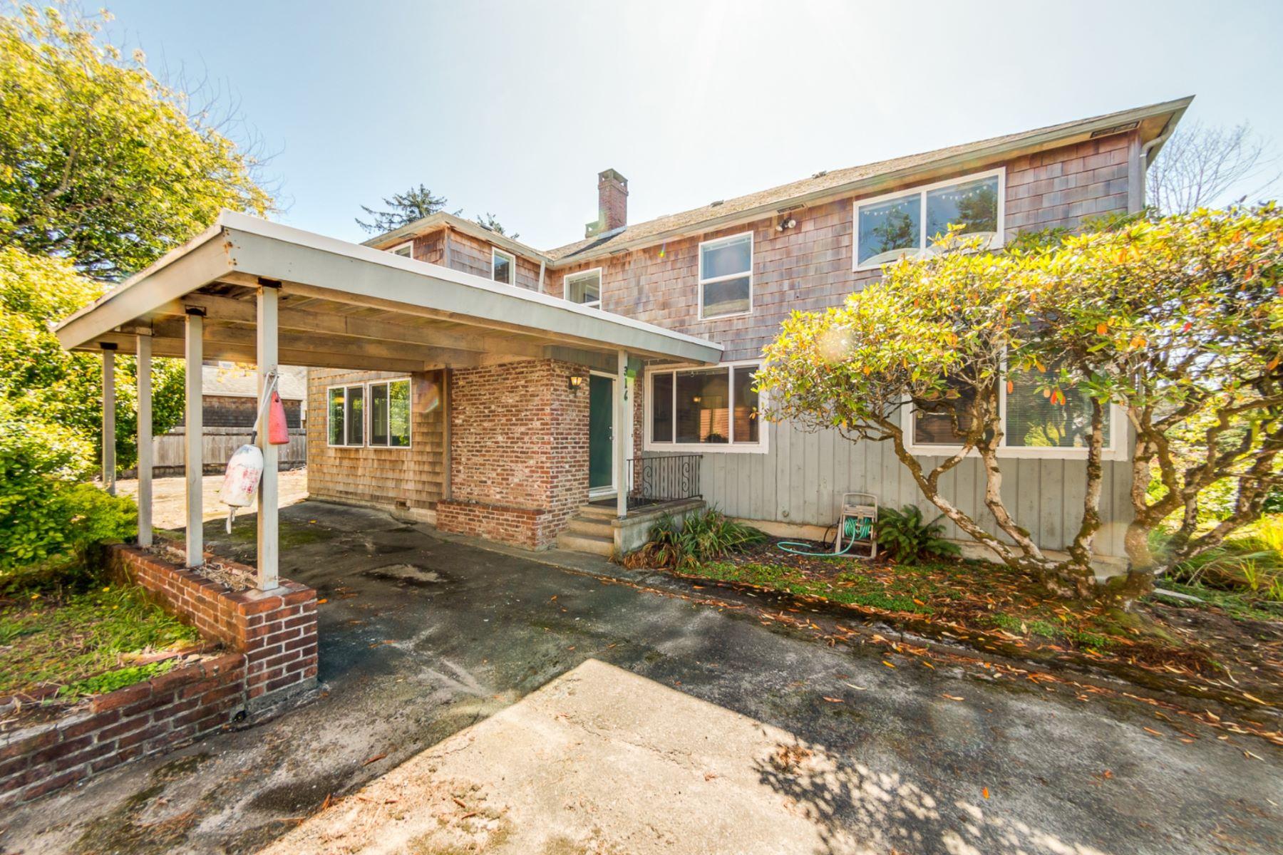Single Family Homes para Venda às 316 Third Street Manzanita, Oregon 97130 Estados Unidos