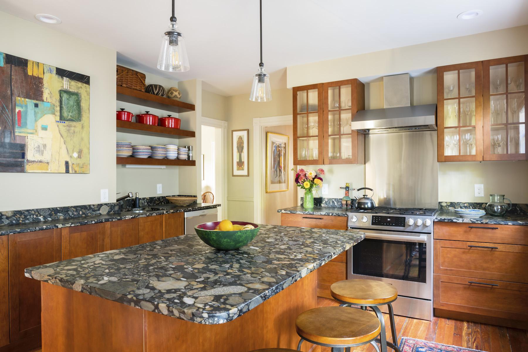 Multi-Family Homes por un Venta en 259 Upland Road Cambridge, Massachusetts 02140 Estados Unidos