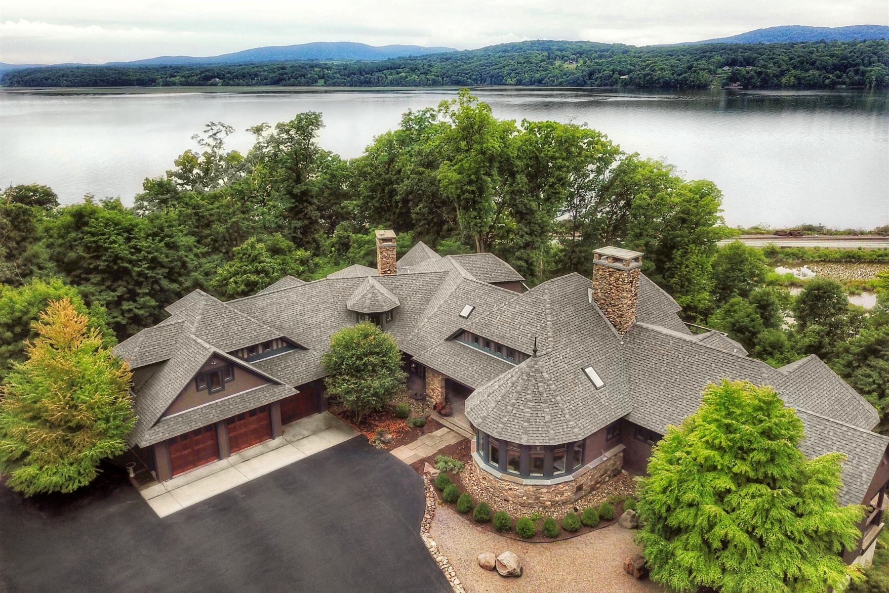 Single Family Home for Sale at Cliff House on the Hudson 18 Wyndclyffe Court Rhinebeck, New York 12572 United States