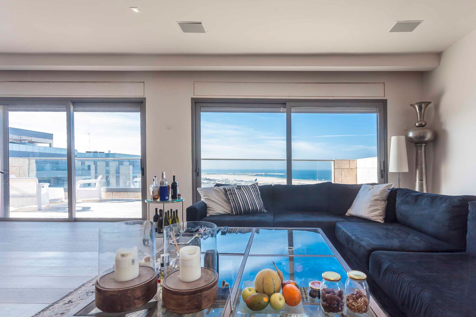 Duplex pour l Vente à Contemporary Duplex with Captivating Sea View Tel Aviv, Israel Israël