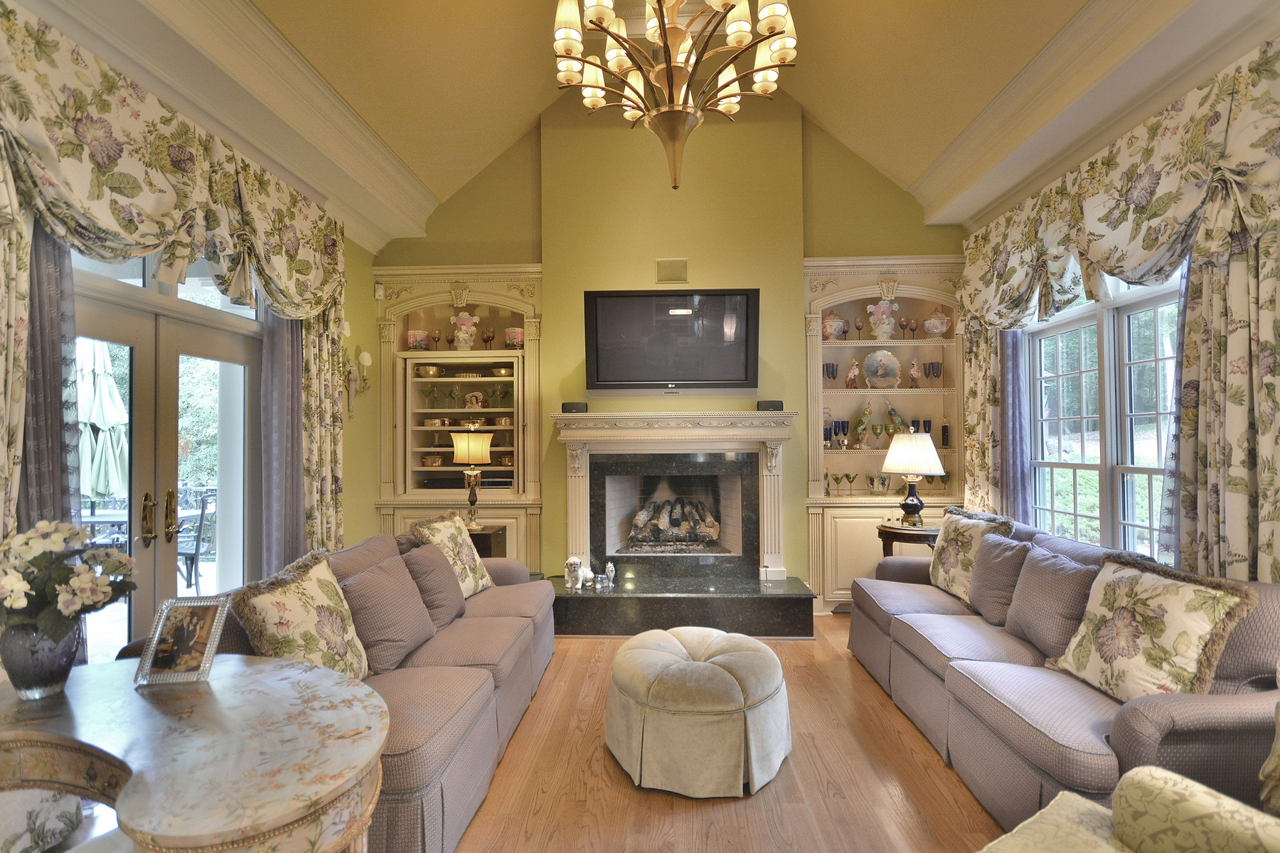 Additional photo for property listing at Privacy Abounds At This Elegant Chateau Elan Estate 5750 Gene Sarazen Drive Braselton, Georgia 30517 United States