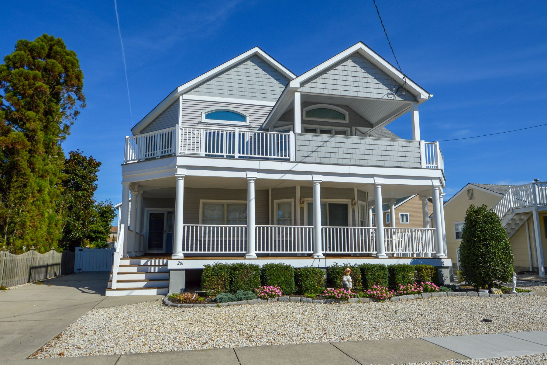 Single Family Homes للـ Sale في Beach Living Redefined 261 60th Street, Avalon, New Jersey 08202 United States