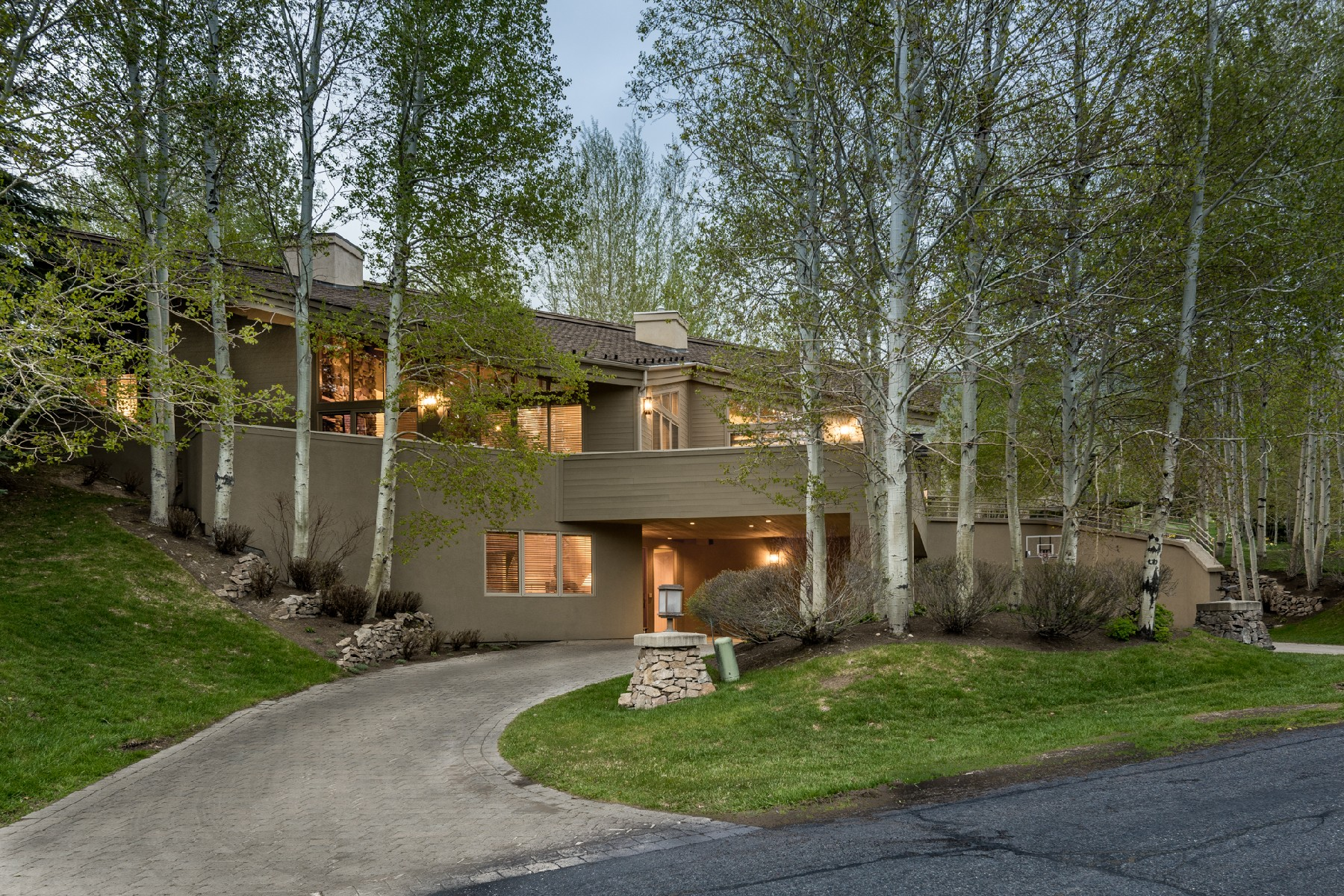 Single Family Home for Sale at Top Of The World 112 Skyline Dr Sun Valley, Idaho, 83353 United States