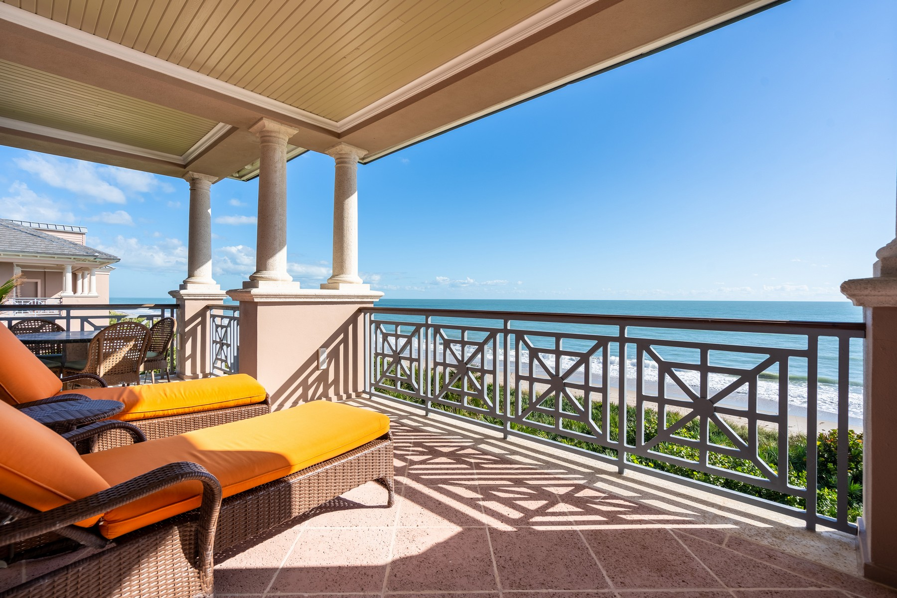Additional photo for property listing at Oceanfront Penthouse 80 Beachside Drive #301 Vero Beach, Florida 32963 United States