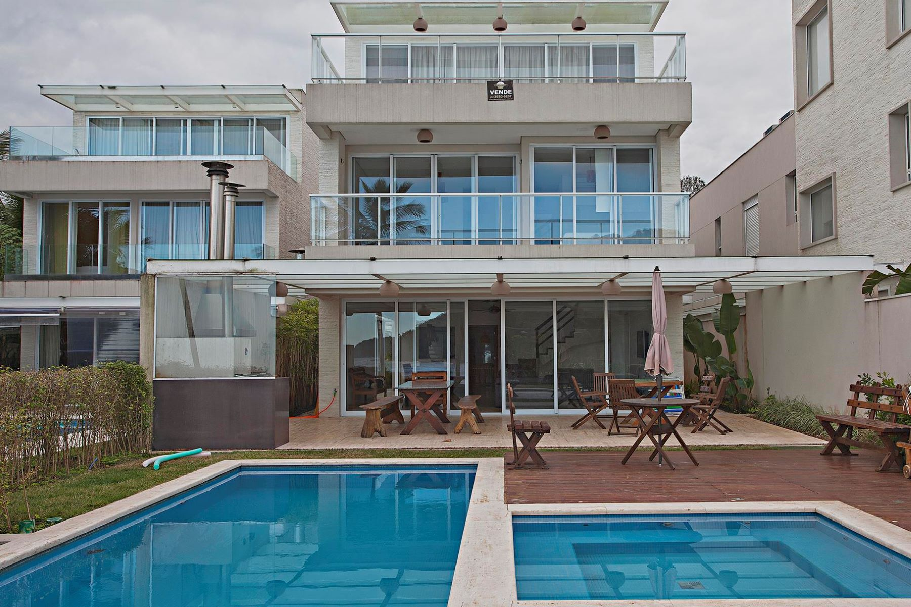 Single Family Home for Sale at Beach front House Avenida Deble Luiza Derani Sao Sebastiao, Sao Paulo, 11600-000 Brazil