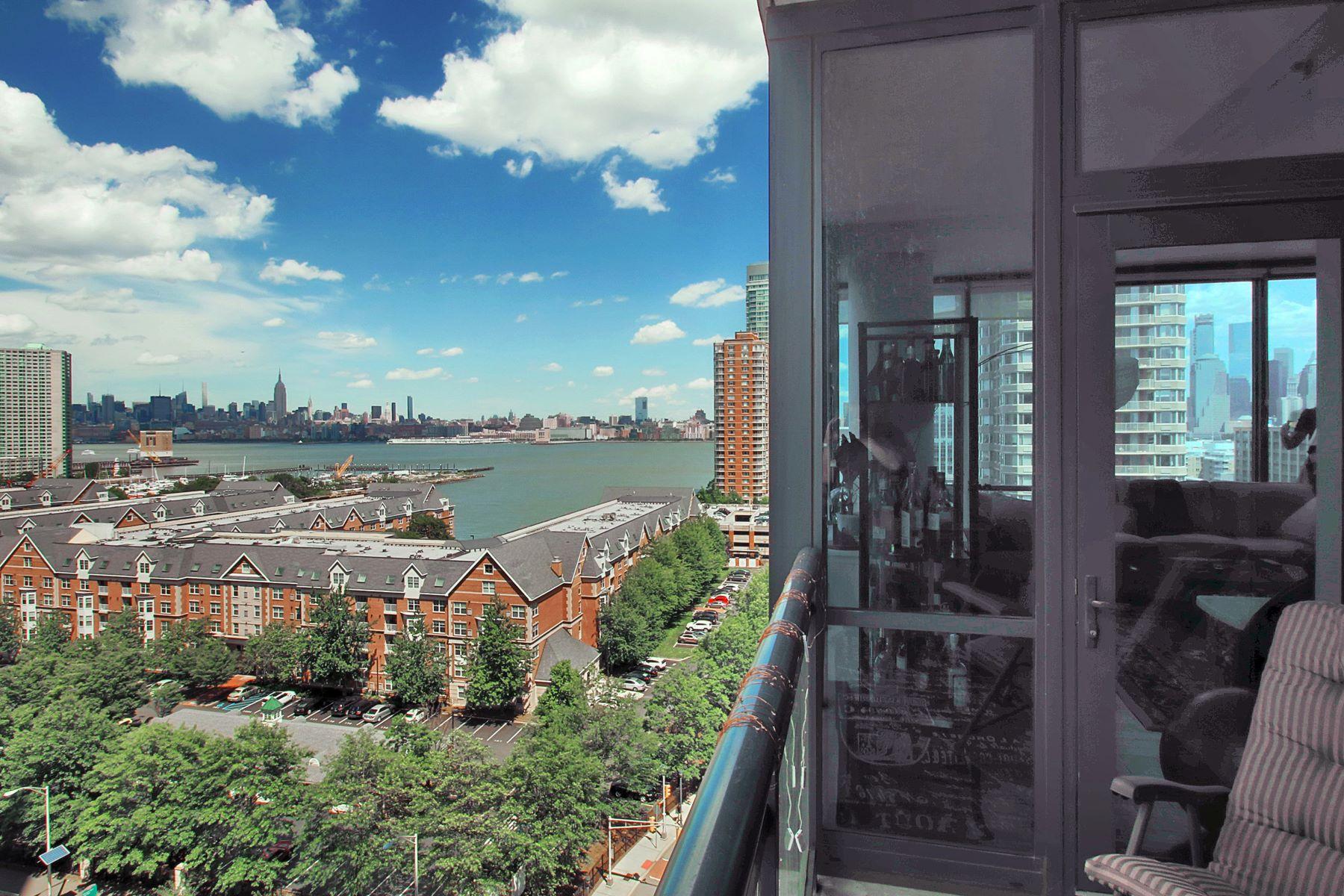 Appartement en copropriété pour l Vente à Breathtaking Skyline Views from the 'A' Condo 389 Washington Street #12F Jersey City, New Jersey 07302 États-Unis