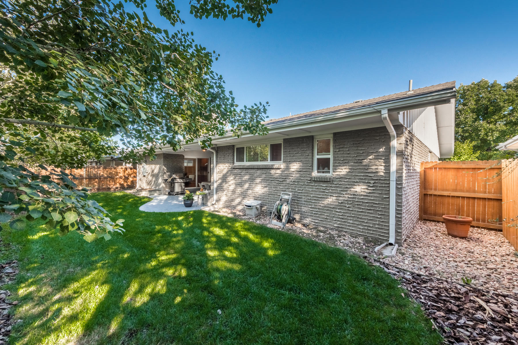 Additional photo for property listing at Modern, Updated Ranch In Desirable Winston Downs 6650 E Virginia Ave Denver, Colorado 80224 United States