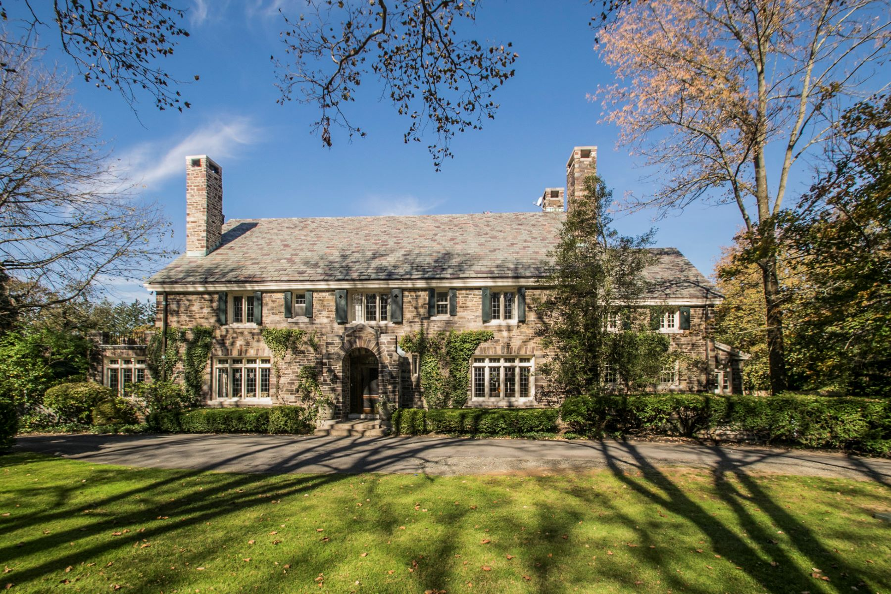 Property per Vendita alle ore Turning Heads on Hodge Road for Almost A Century 149 Hodge Road, Princeton, New Jersey 08540 Stati Uniti