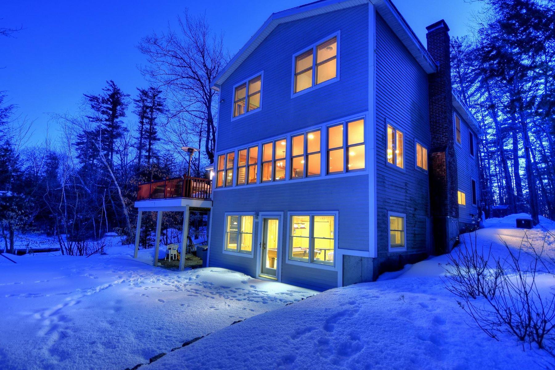 独户住宅 为 销售 在 Charming Winnipesaukee Waterfront 107 Cottage Rd Moultonborough, 新罕布什尔州 03254 美国