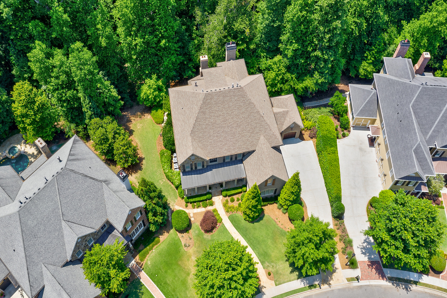 Additional photo for property listing at Custom Home With Four Finished Levels 4380 Loblolly Trl, Peachtree Corners, Georgia 30092 Estados Unidos
