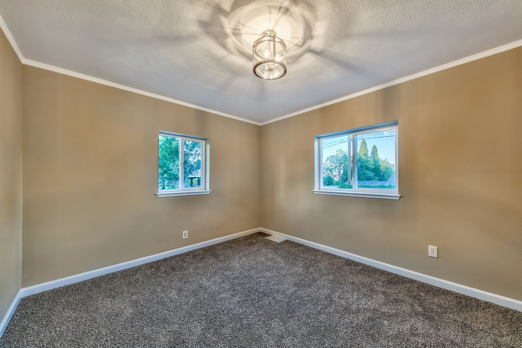 Additional photo for property listing at 2360 Watt St., Reno, Nevada 2360 Watt  St. Reno, Nevada 89509 United States