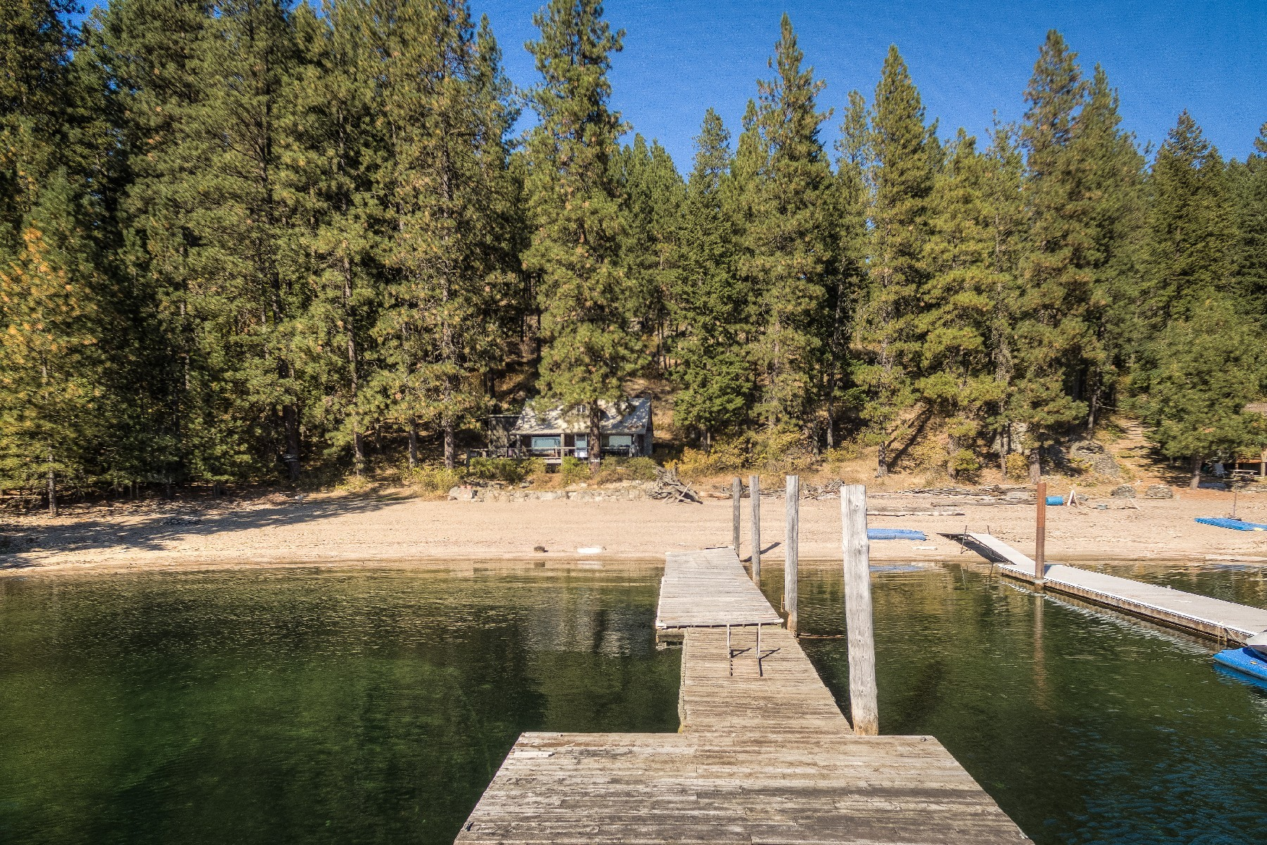 Single Family Homes للـ Sale في Sandy Beach Facing South 1460 W Swede Bay Road, Coeur D Alene, Idaho 83814 United States