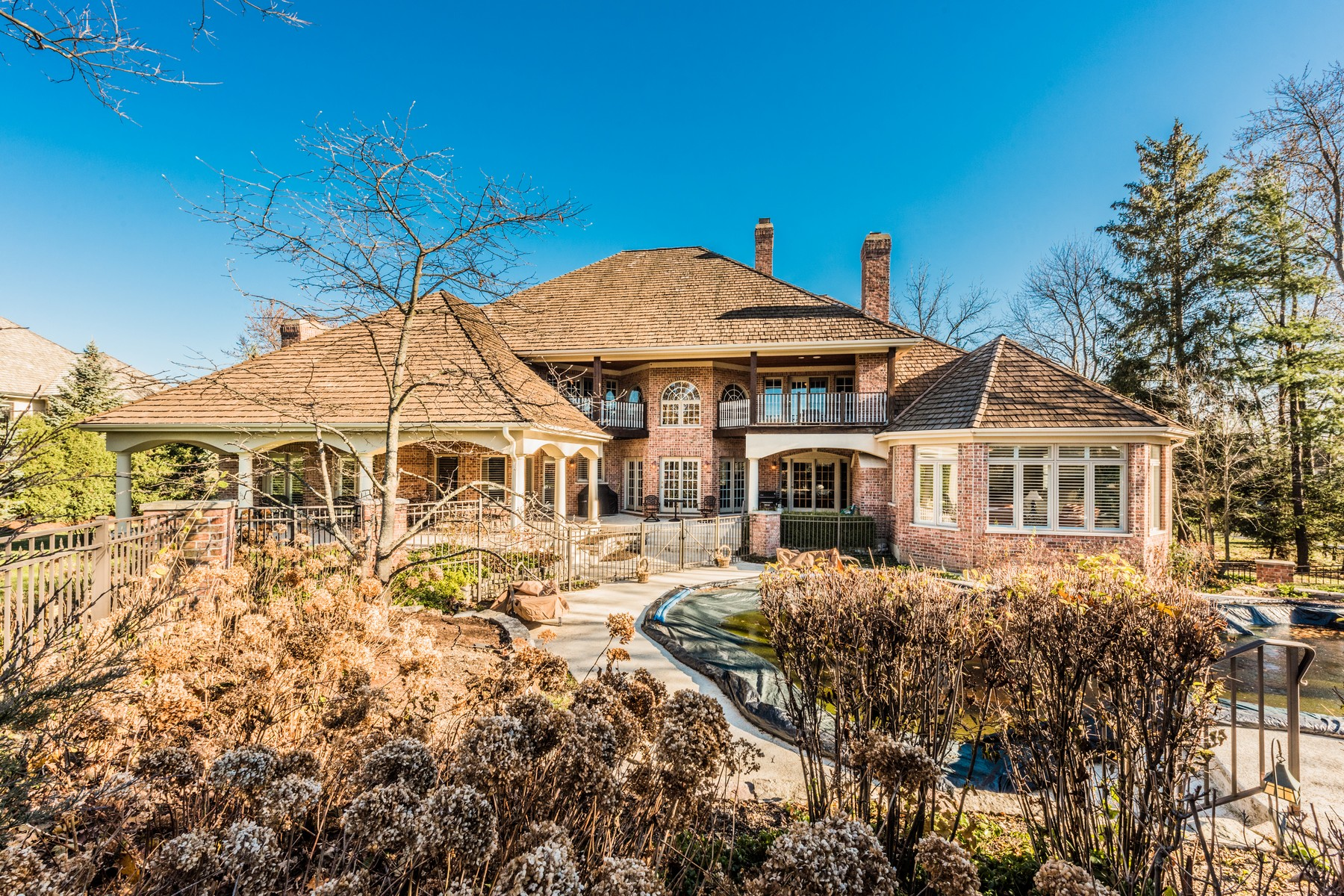Single Family Home for Sale at Sophisticated living in warm and functional elegance 11 Kensington Drive, North Barrington, Illinois, 60010 United States