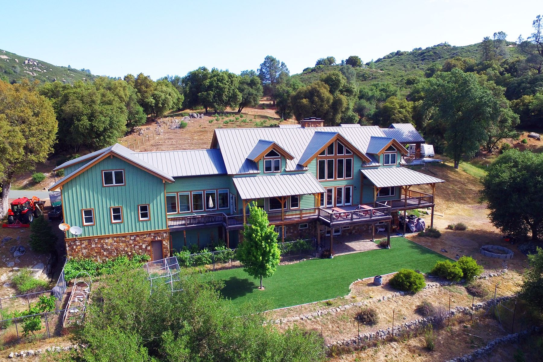 Single Family Home for Active at A River Runs Through It 3087 Mira Paradis Drive Somerset, California 95684 United States