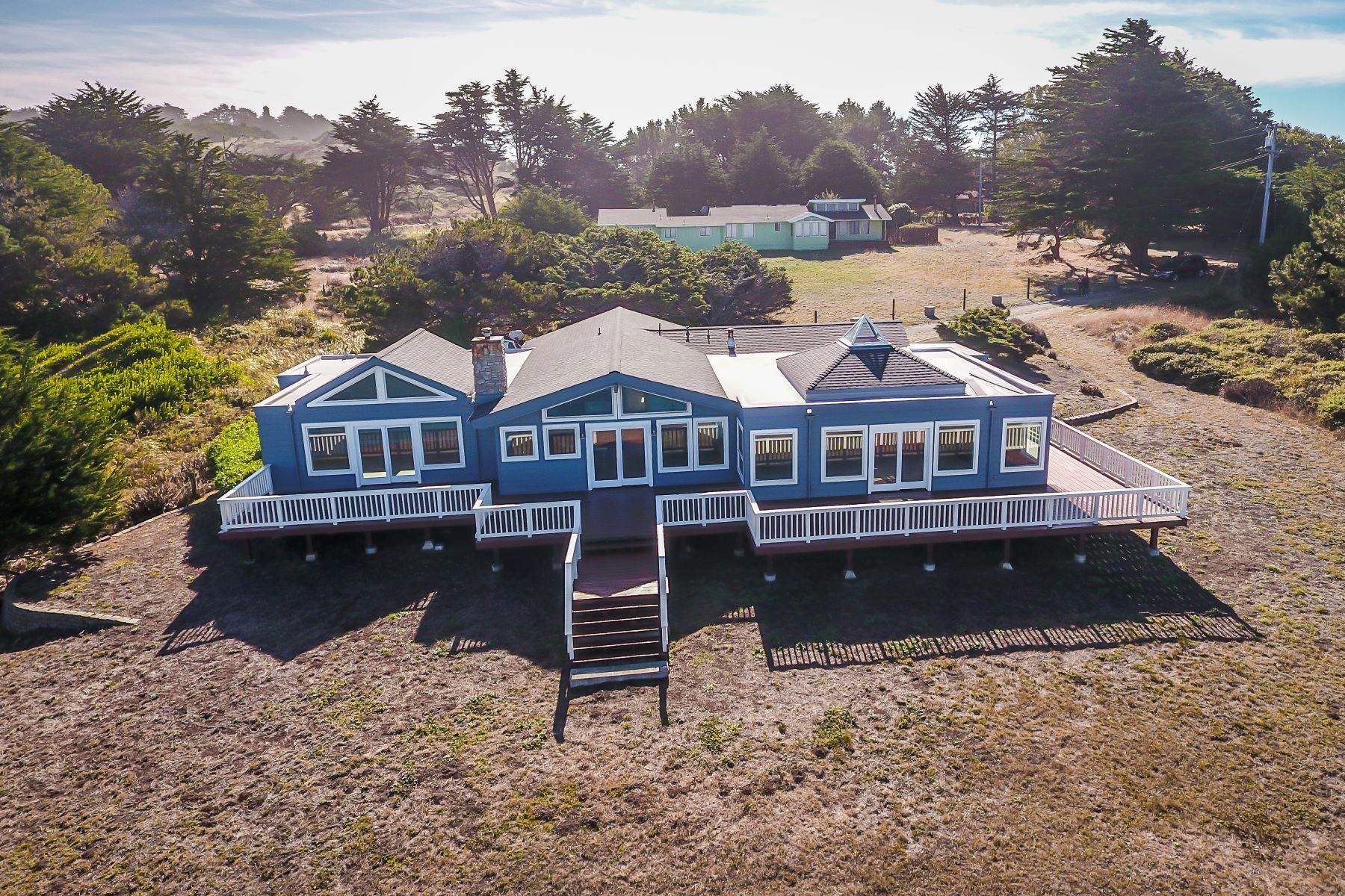 Single Family Homes para Venda às Oceanfront Oasis 2725 Seaside Court, Albion, Califórnia 95430 Estados Unidos