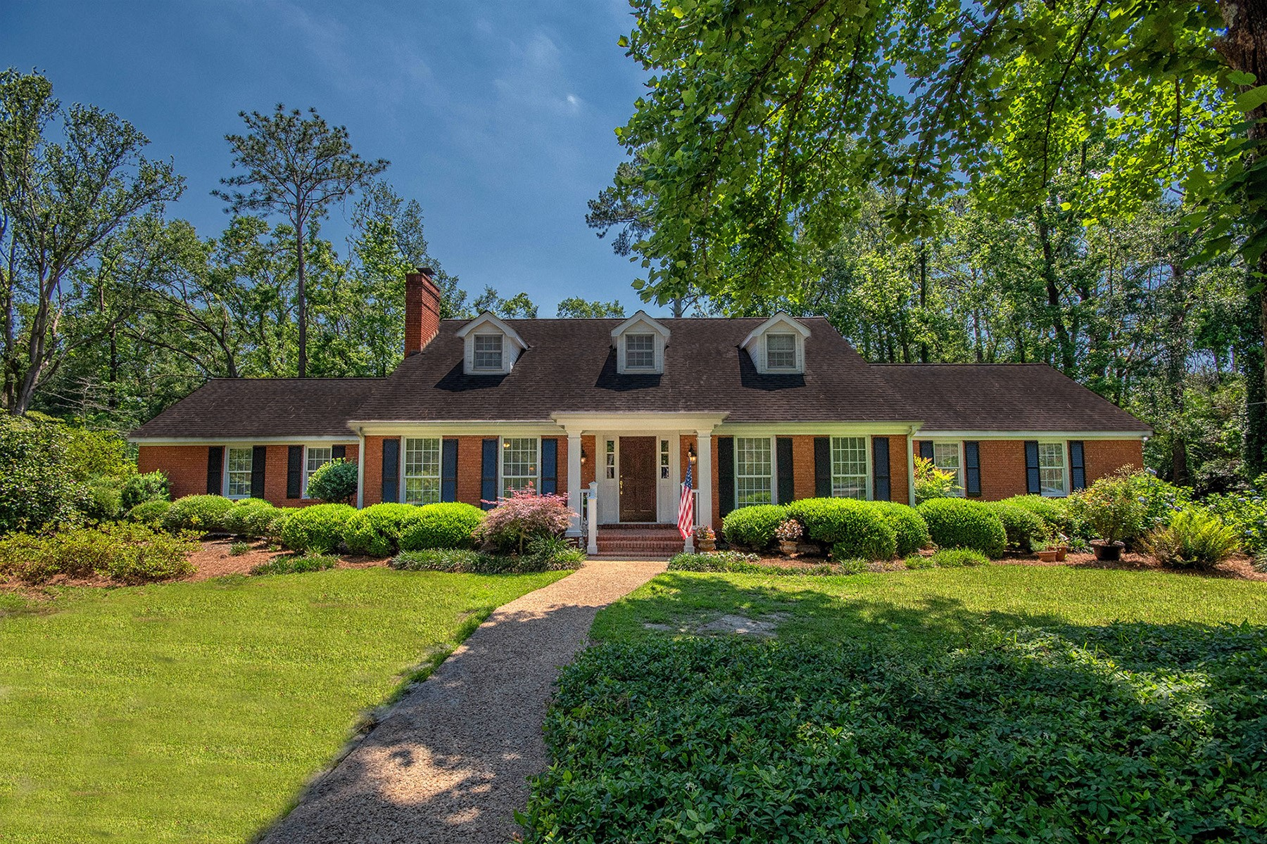 Single Family Homes for Active at Lakefront Home With Great Curb Appeal And Classic Southern Elegance! 1902 Douglas Drive Bainbridge, Georgia 39819 United States