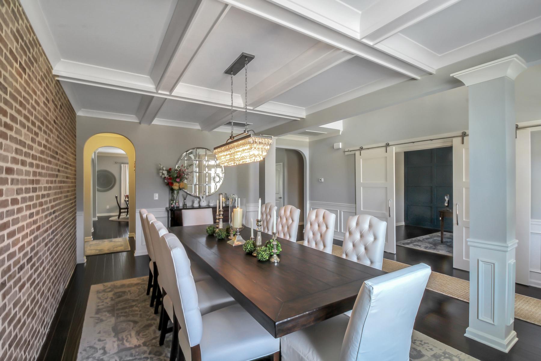 Single Family Homes 용 매매 에 Meticulously Maintained Masterpiece Near Chateau Elan 952 Sienna Ridge, Braselton, 조지아 30517 미국