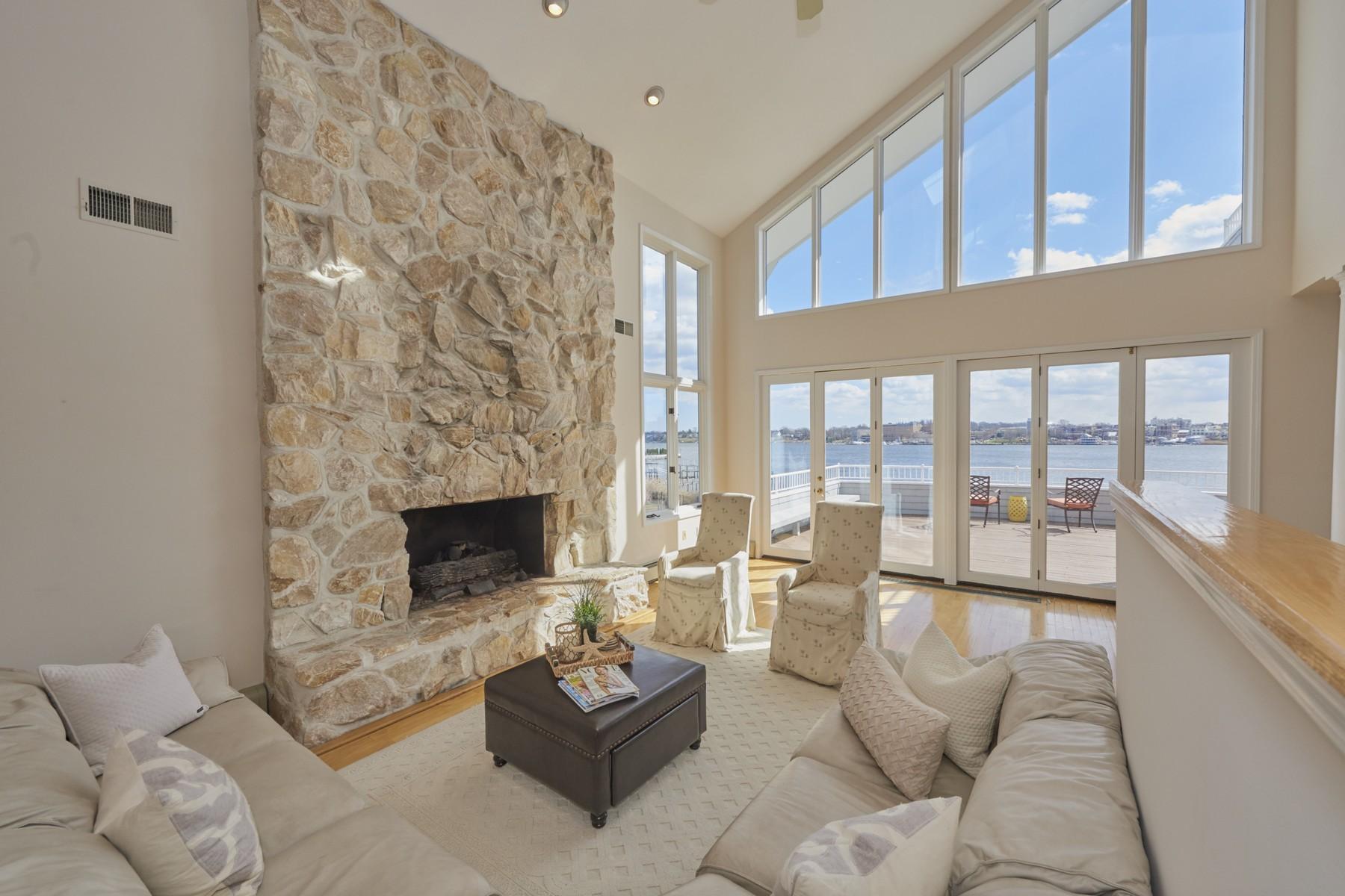 Частный односемейный дом для того Продажа на Calming Waters 114 Conover Lane Middletown, Нью-Джерси 07748 Соединенные Штаты