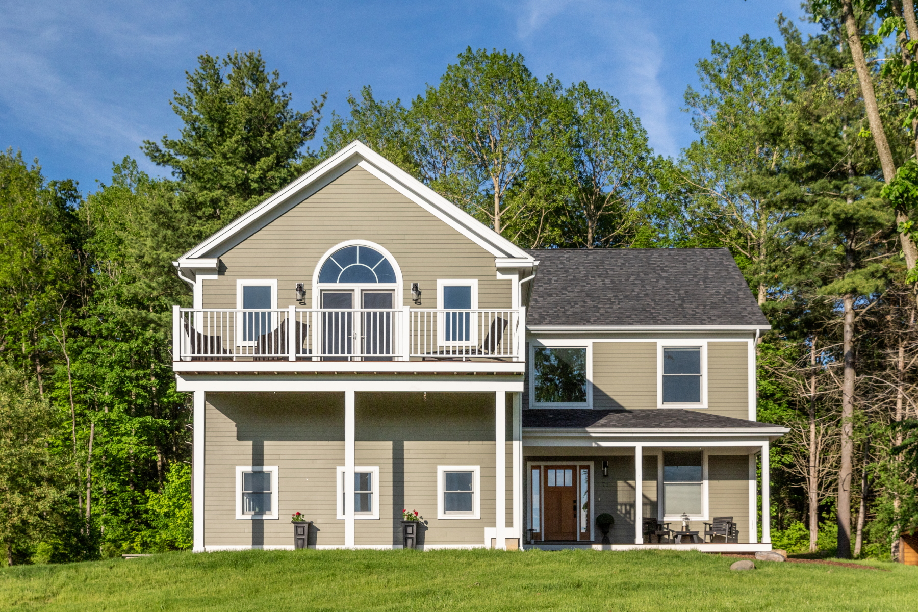 Single Family Homes for Sale at 71 Lilly Creek Lane, Shelburne 71 Lilly Creek Ln Shelburne, Vermont 05482 United States